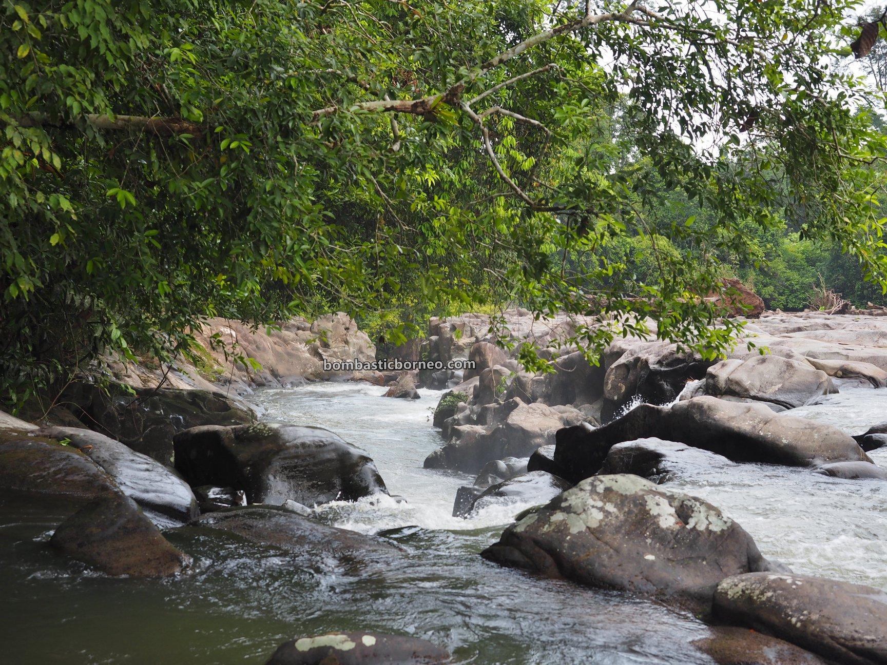 Riam Kodu, Waterfall, Dusun Simpang Empat, adventure, nature, outdoor, exploration, Seluas, Obyek Wisata, Travel guide, village, Trans Border, Borneo, 探索婆罗洲瀑布, 印尼西加里曼丹