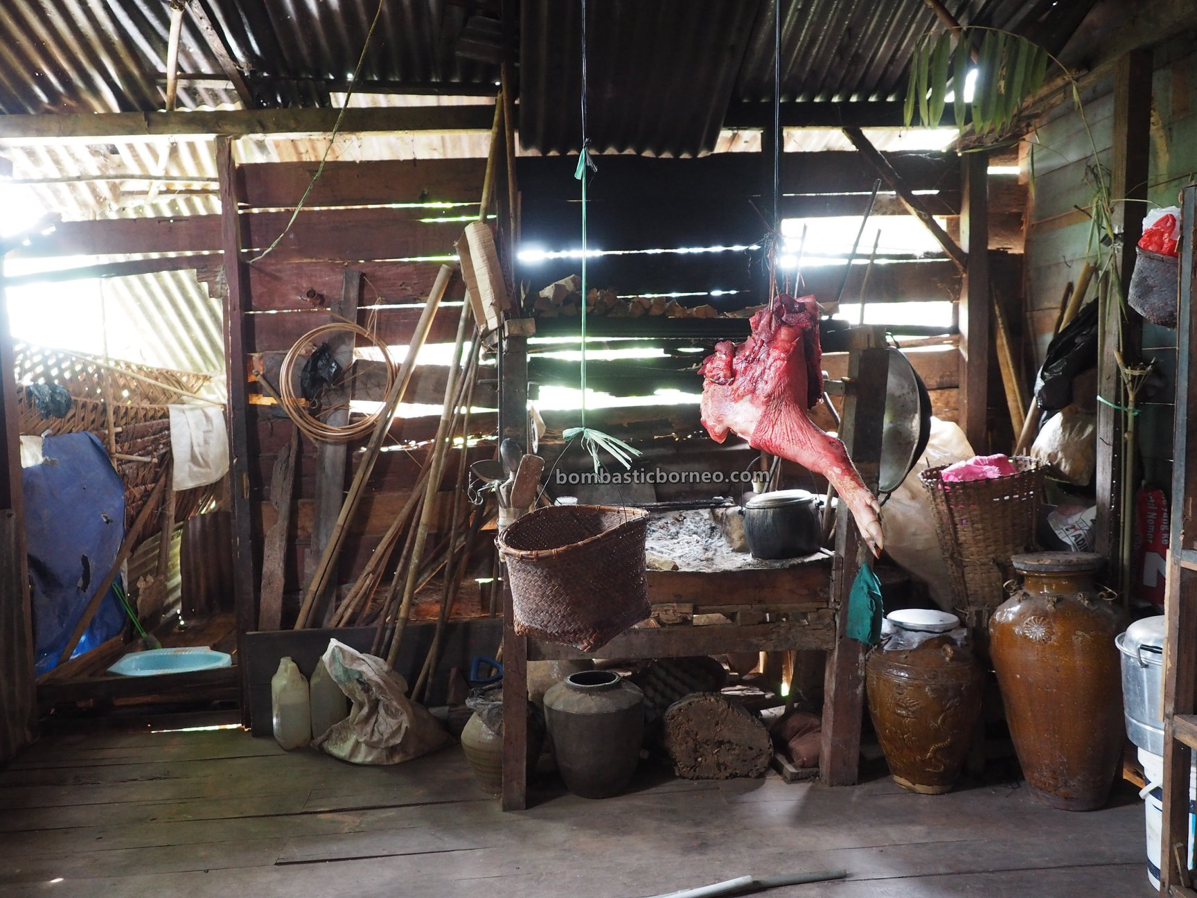 Desa Tamong, adventure, backpackers, culture, exploration, Gawai Padi, Kalimantan Barat, Siding, ethnic, native, Dayak Bidayuh, tribal, travel guide, 印尼西加里曼丹, 孟加映土著部落