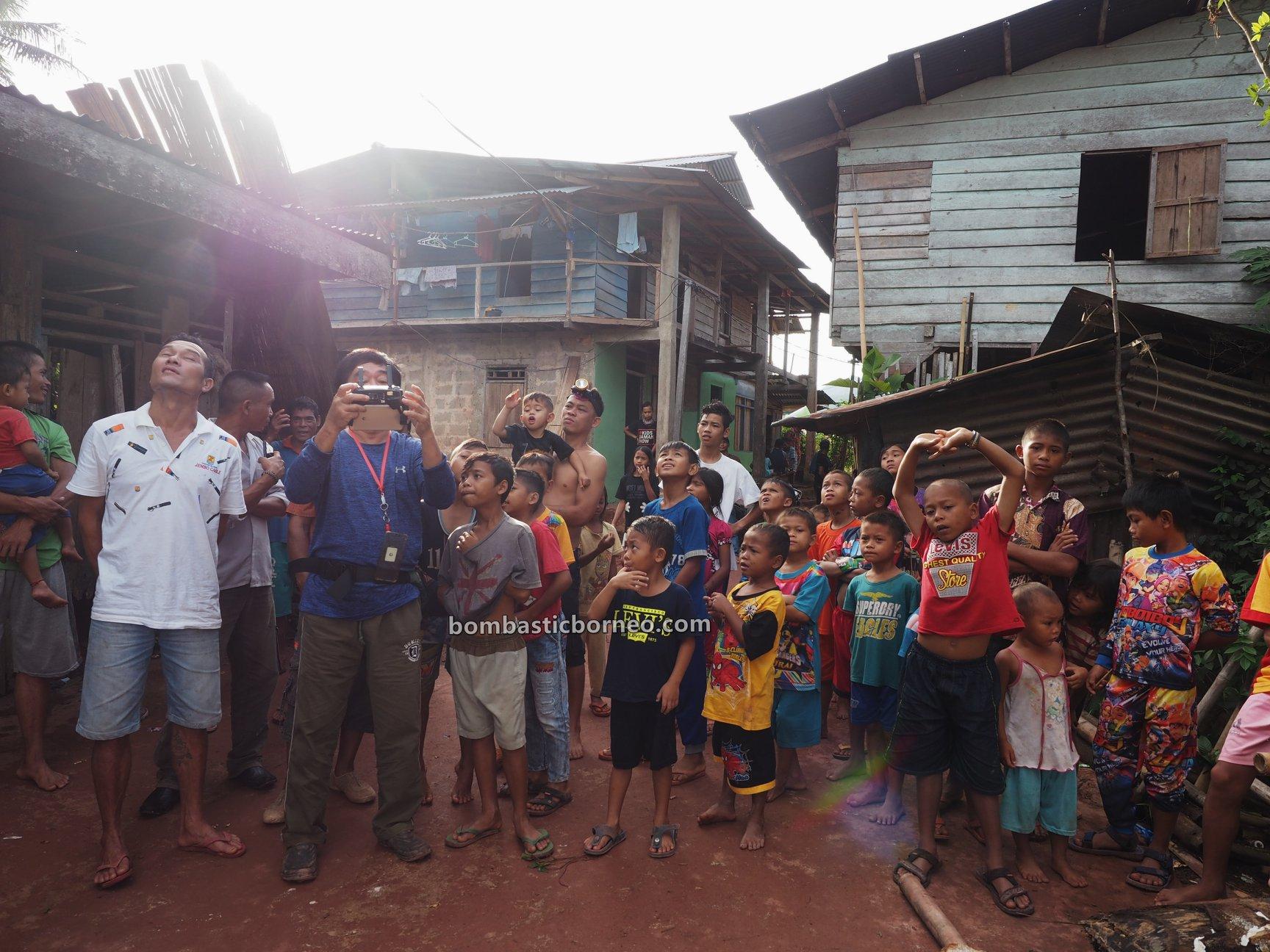 Dusun Tamong, authentic, Traditional, indigenous, backpackers, Gawai Padi, Siding, ethnic, native, Dayak Bidayuh, Tourism, travel guide, cross border, 婆罗洲达雅部落, 印尼西加里曼丹,