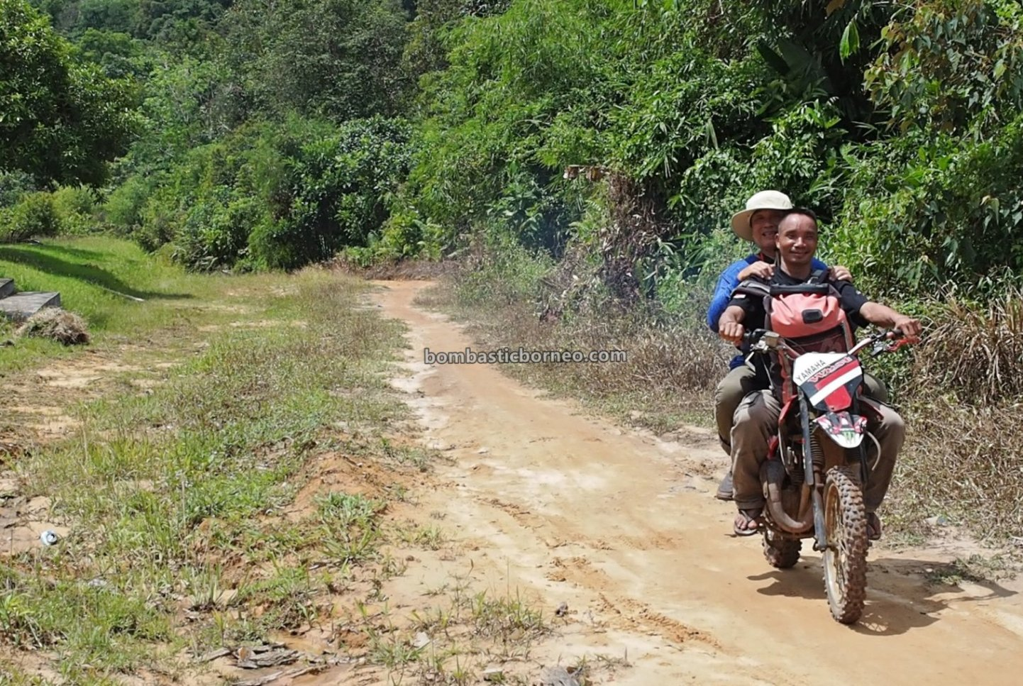 Dusun Tamong, highland, motorbike ride, authentic, village, backpackers, exploration, Siding, native, Dayak Bidayuh, Tourism, travel guide, 跨境婆罗洲游踪, 印尼西加里曼丹, 孟加映原住民部落