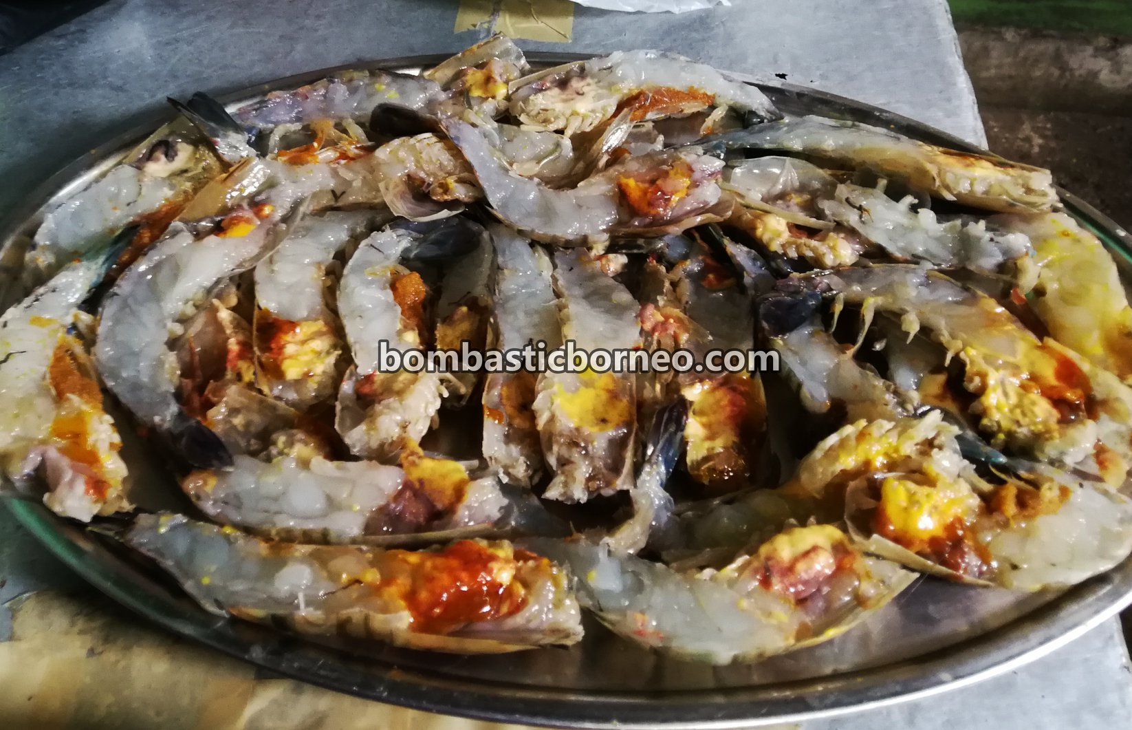 Udang galah, Big Head Prawn, freshwater prawn, destination, Jit Hin, Kampung Tebakang, Serian, Malaysia, Borneo, Tourism, tourist attraction, travel guide, 穿越砂拉越西连, 益兴招牌菜, 蓝脚大头虾美食