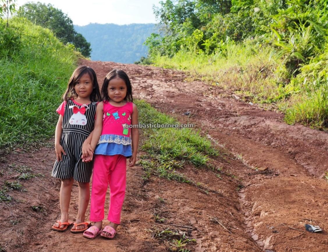 highland, authentic, indigenous, village, backpackers, ethnic, native, Dayak Bidayuh, tribal, Tourism, tourist attraction, travel guide, Borneo, 婆罗洲达雅部落, 印尼西加里曼丹,
