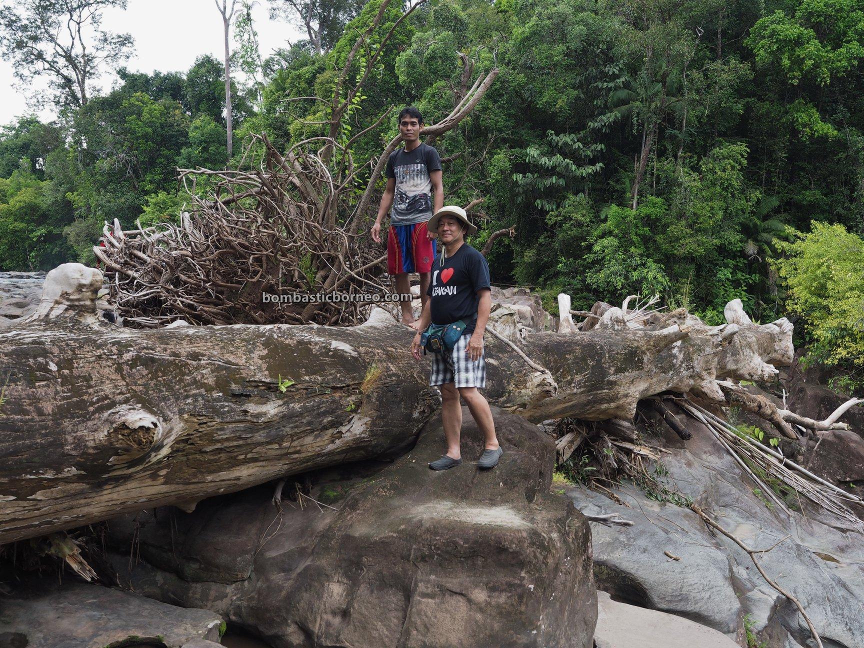 Waterfall, adventure, nature, outdoor, exploration, Indonesia, West Kalimantan, Desa Bengkawan, Seluas, Tourism, native, village, Borneo, 印尼西加里曼丹, 孟加映瀑布,
