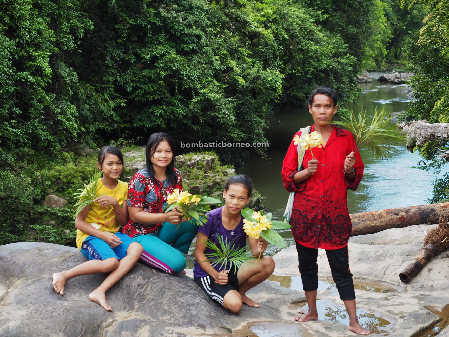 Air Terjun, adventure, nature, outdoor, exploration, Bengkayang, Desa Bengkawan, Seluas, Obyek Wisata, Tourism, native, village, Borneo, 印尼原住民部落, 西加里曼丹瀑布,
