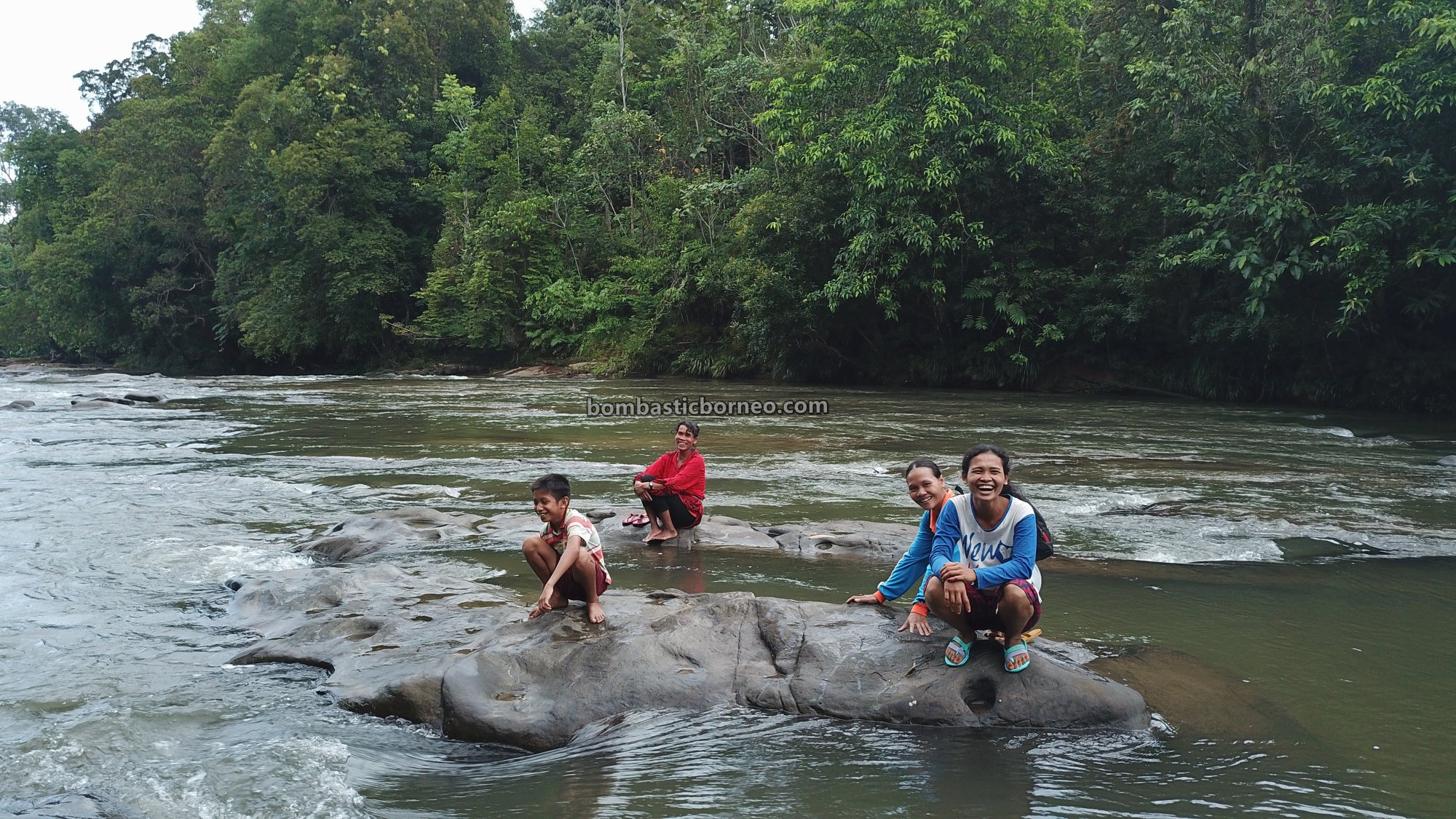 Riam Kodu, Dusun Simpang Empat, adventure, nature, outdoor, jungle trekking, Desa Bengkawan, Seluas, tourist attraction, travel guide, native, Cross Border, backpackers, 探索婆罗洲游踪, 西加里曼丹瀑布,