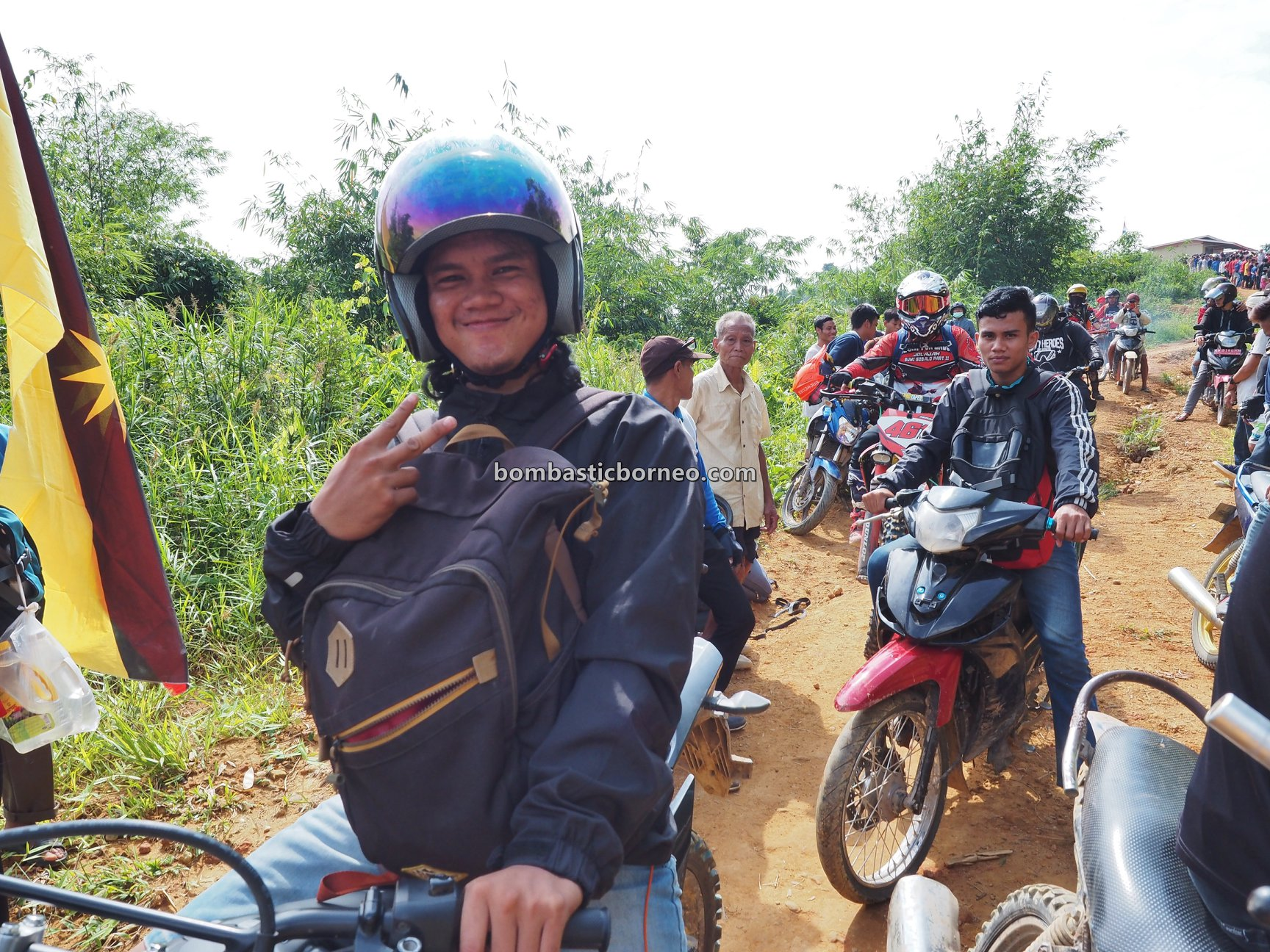 Dusun Anep, adventure, motorbike ride, traditional, Indonesia, West Kalimantan, Siding, native, village, wisata budaya, Tourism, travel guide, Borneo, 印尼西加里曼丹, 孟加映宋宫部落,
