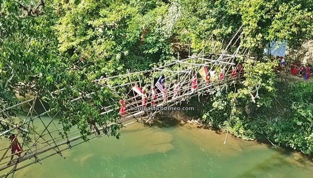 nyobeng, Dusun Medeng, traditional, budaya, Bengkayang, jembatan gantung, tribal, bamboo bridge, village, tourist attraction, travel guide, Borneo, 婆罗洲达雅丰收节日, 印尼西加里曼丹, 孟加映原住民