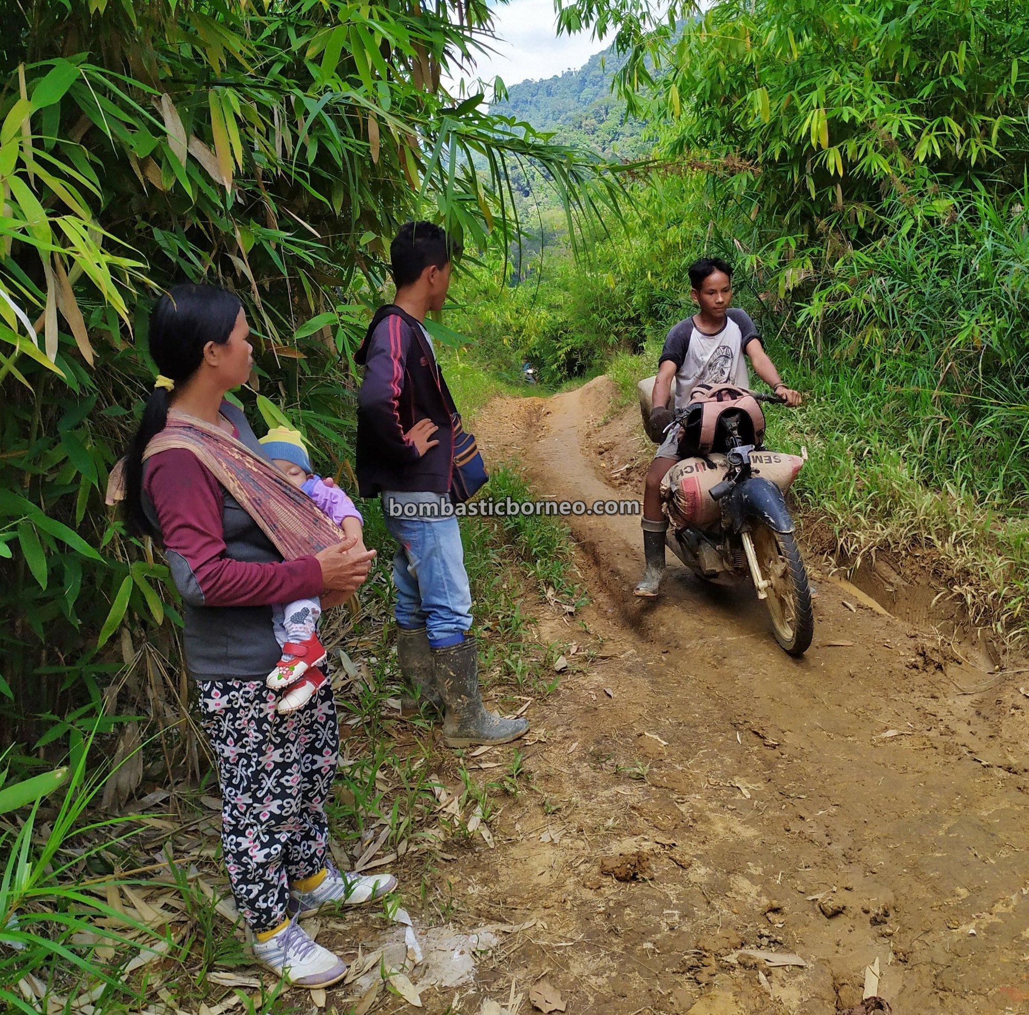 Dusun Medeng, adventure, motorbike ride, authentic, exploration, Bengkayang, Indonesia, Dayak Bidayuh, Highland, Tourism, travel guide, Trans Border, Borneo, 印尼西加里曼丹, 孟加映原住民部落