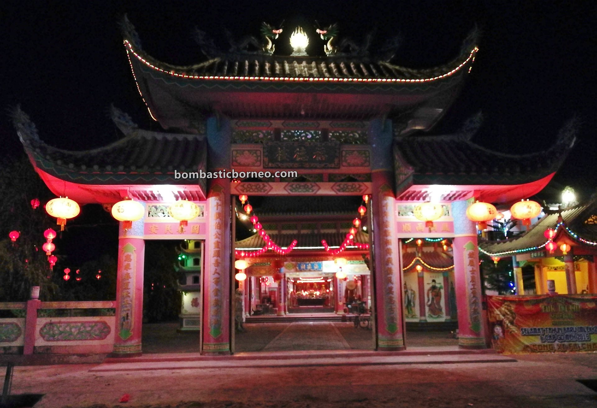 temple, Tahun Baru Imlek, Chinese New Year, traditional, village, culture, Kampung Cina, Sambas, Indonesia, West Kalimantan, Jawai Selatan, Sentebang, Tourism, travel guide, Borneo,