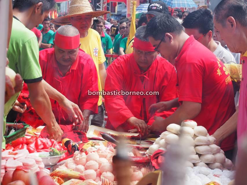 Lantern Festival, parade, traditional, Hakka town, Kuching, Malaysia, Dewa Dewi, Ethnic, tatung, temple, Tourism, Travel Guide, Borneo, 探索婆罗洲游踪, 马来西亚古晋, 石隆门元宵节游神,