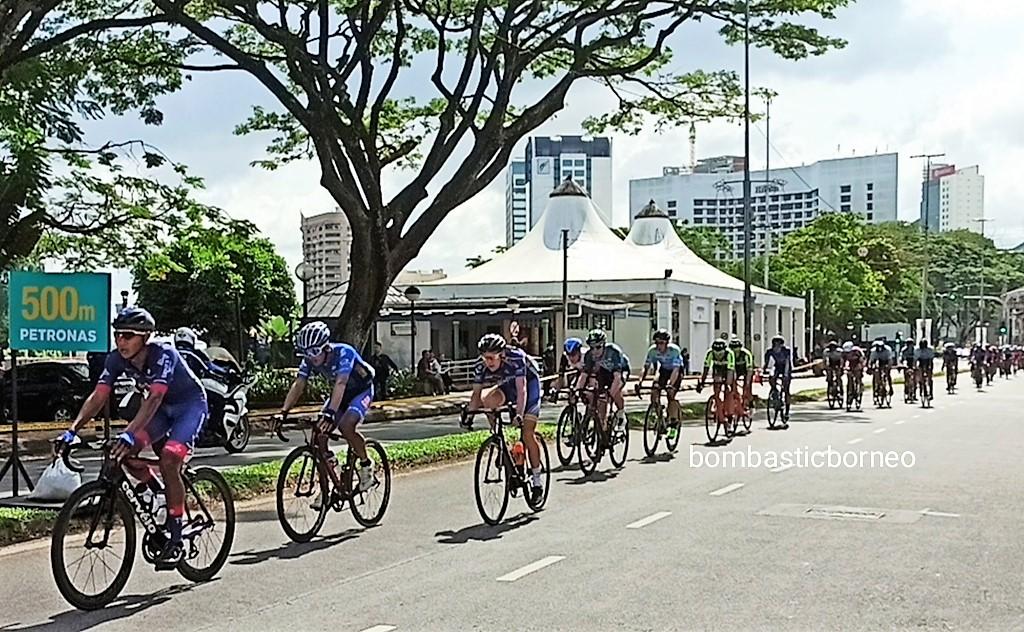 Petronas, Cyclist, cycling, championship, competition, Sports, Borneo, Kuching, Sarawak, Malaysia, Tourism, tourist attraction, 探索婆罗洲, 古晋砂拉越马来西亚, 骑自行车比赛