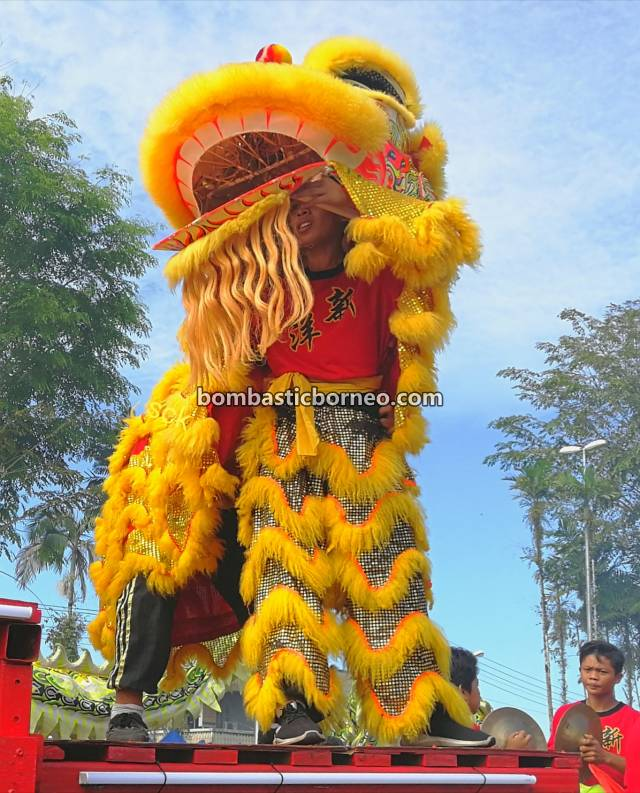 Chap Goh Meh, Chinese culture, traditional, authentic, backpackers, Hakka town, Bau, Malaysia, Tarian Singa, Tahun Baru Imlek, Travel Guide, Borneo, 马来西亚砂拉越古晋, 石隆门舞狮舞龙, 客家华人元宵节