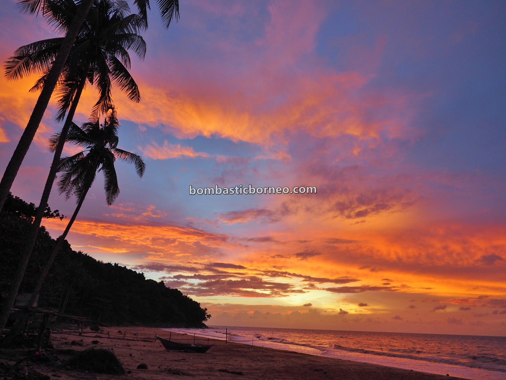 beach, adventure, nature, Malay village, Kampung Melayu, Jawai Selatan, tourist attraction, travel guide, backpackers, destination, Borneo, Trans Border, 探索婆罗洲游踪, 印尼西加里曼丹, 三发海滩