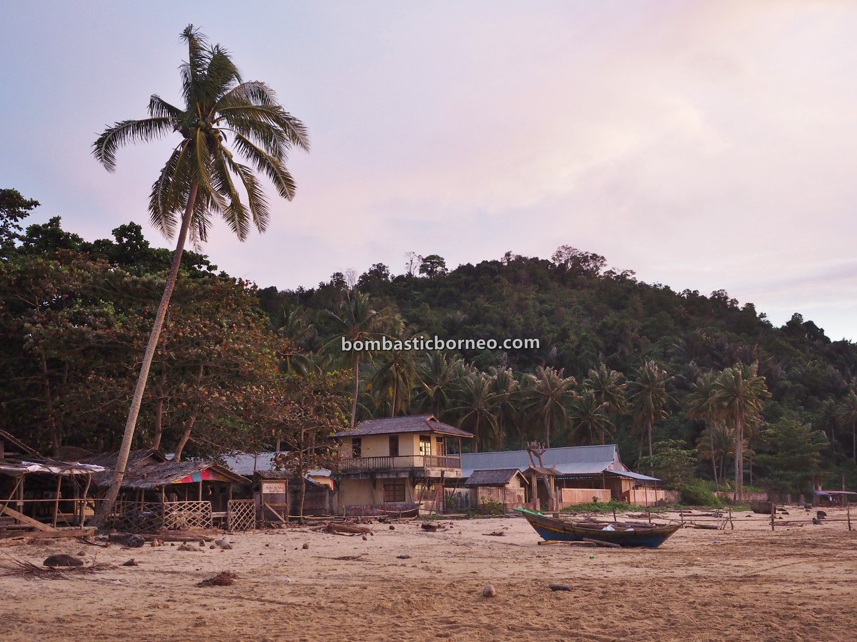 pantai, adventure, nature, Malay fishing village, Kampung Nelayan Melayu, Indonesia, West Kalimantan, Jawai Laut, Obyek wisata, Tourism, backpackers, destination, 穿越婆罗洲游踪, 印尼西加里曼丹, 三发马来渔村