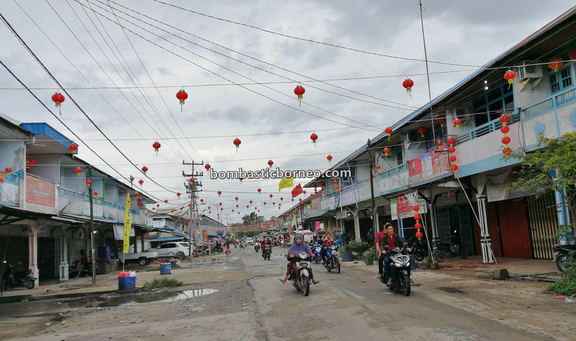 Tahun Baru Imlek, Chinese New Year, Kampung cina, Obyek wisata, Tourism, travel guide, backpackers, destination, 穿越婆罗洲游踪, 印尼西加里曼丹, 三发三条港