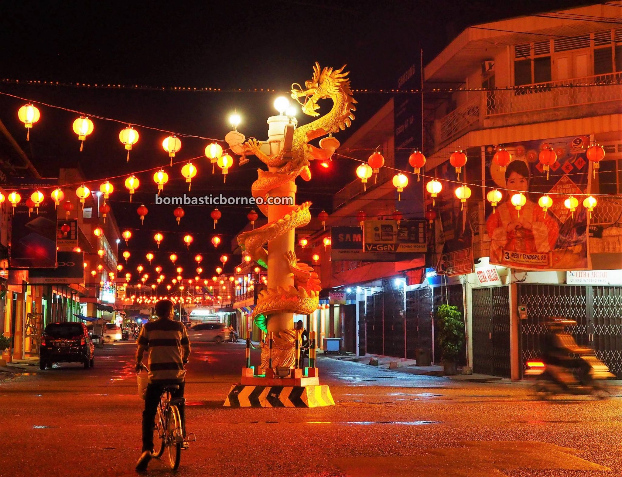 traditional, culture, Chinese New Year, Tahun Baru Imlek, backpackers, destination, Ethnic, TiongHoa, Indonesia, West Kalimantan, Kota Singkawang, Tourism, tourist attraction, travel guide, Trans Borneo