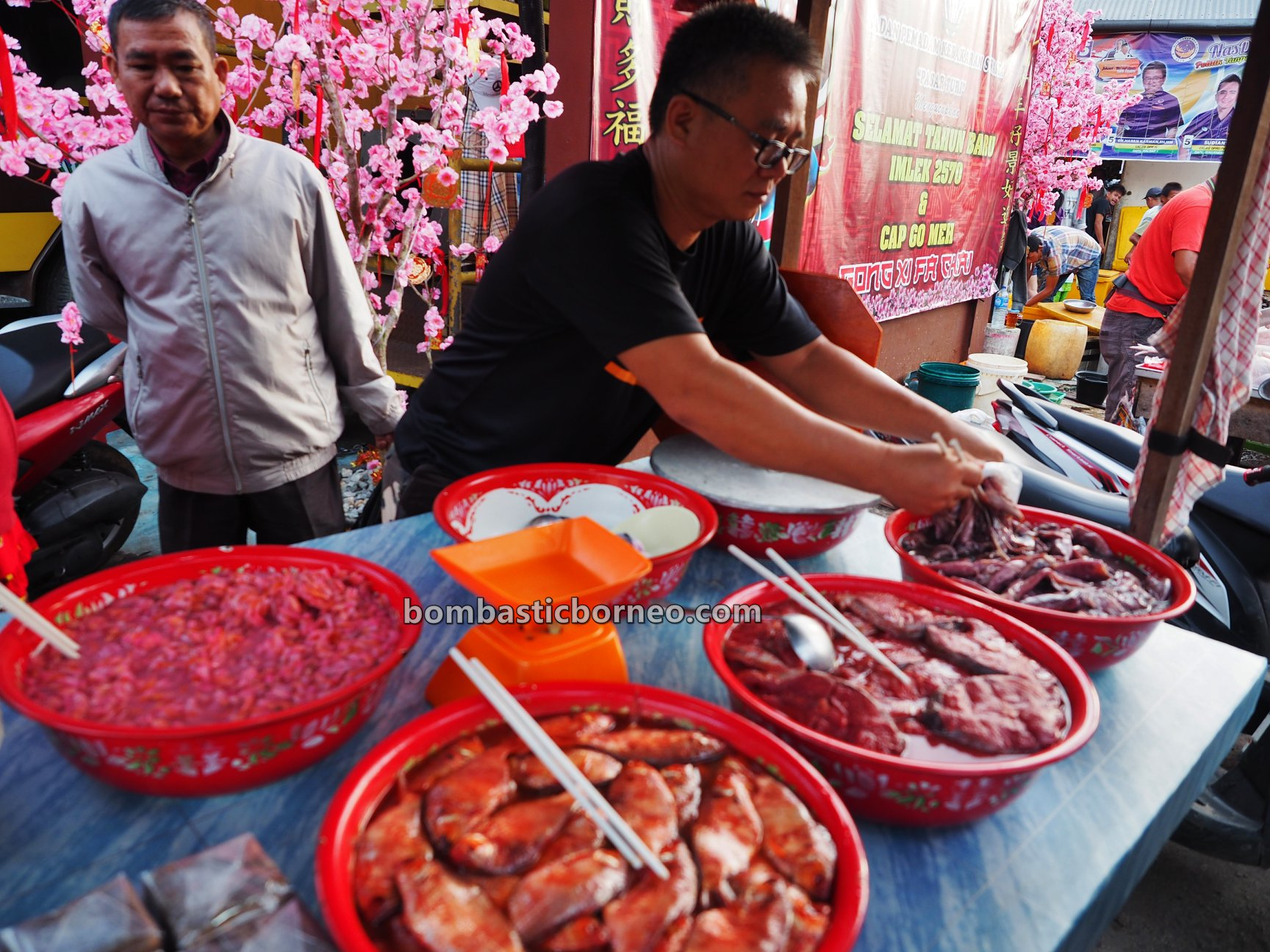 Pasar Turi, Local Market, authentic, traditional, destination, Indonesia, West Kalimantan, Kota Singkawang, fish, ikan, vegetable, Tourism, tourist attraction, travel guide, Borneo