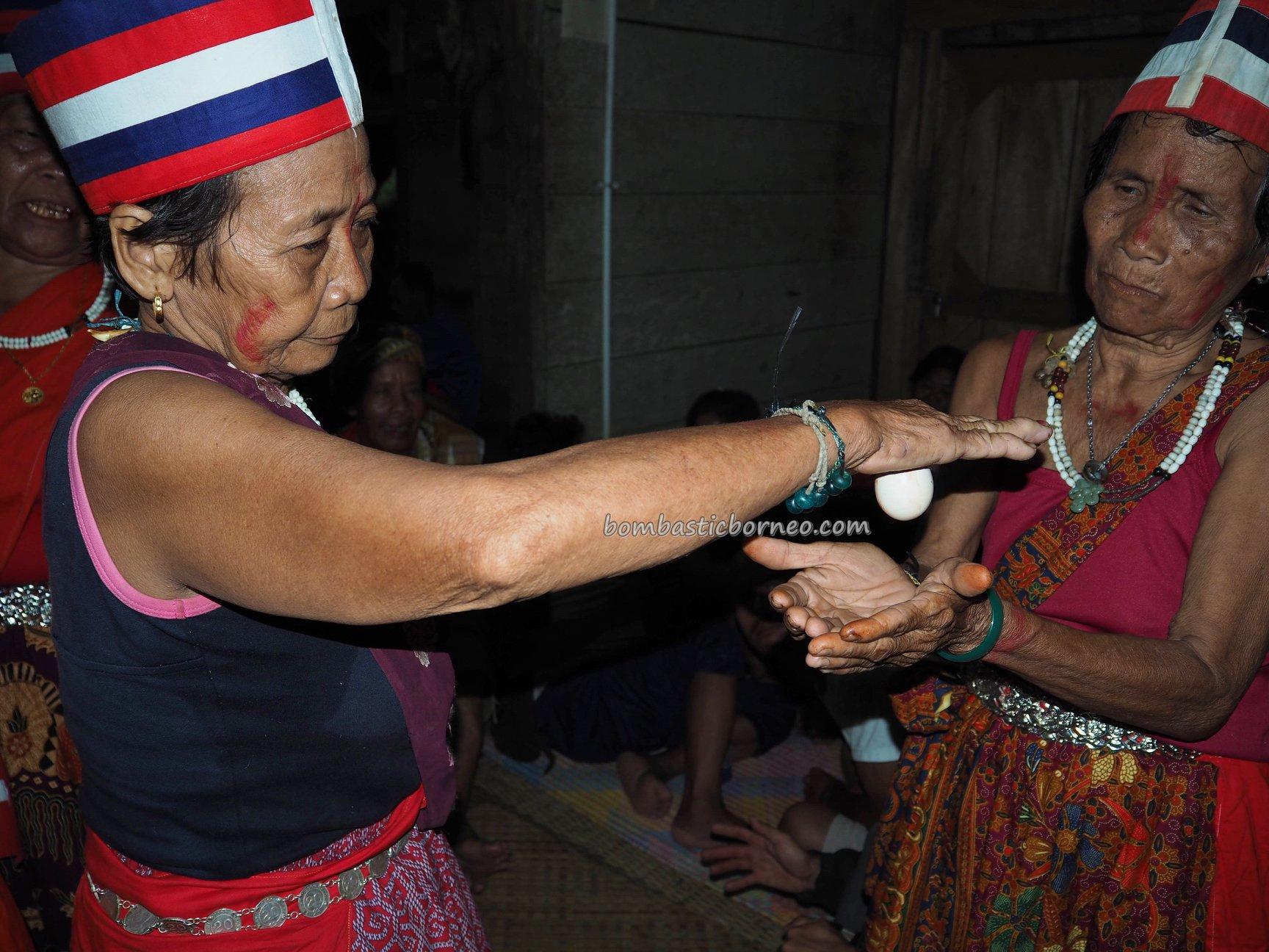 shaman, dukun, ritual, traditional, culture, Indigenous, Dayak Bidayuh, native, tribe, Kuching, Sarawak, Malaysia, Tourism, Travel guide, Borneo