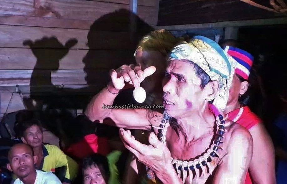 shaman, dukun, traditional, budaya, Indigenous, Dayak Bidayuh, native, tribe, Bau, Malaysia, Tourism, Trans Border, 婆罗洲砂拉越, 原住民传统文化, 比达友族祭司