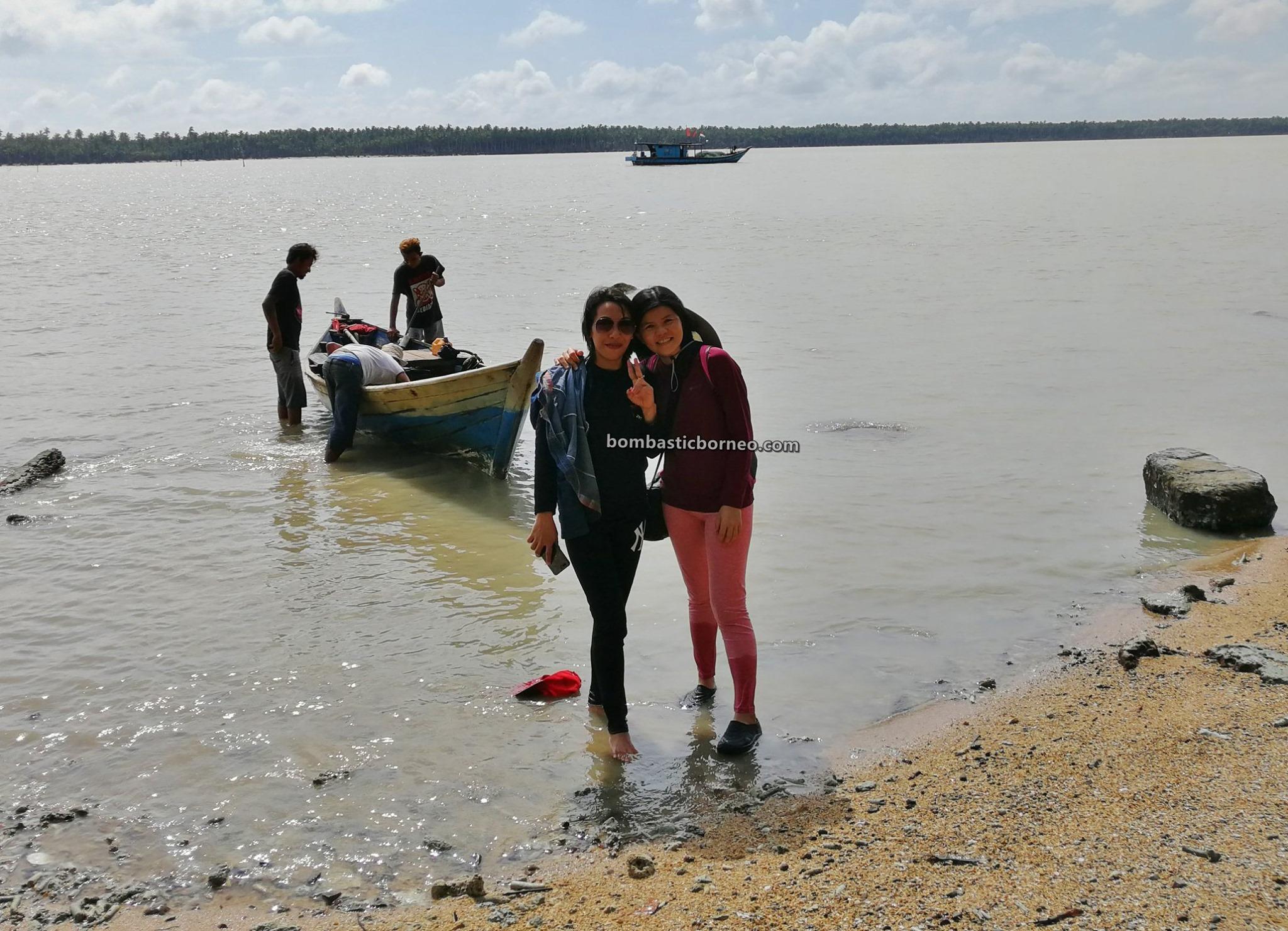 Kerang, mussel, Pantai Putri Seraii, adventure, nature, Malay fishing village, Kampung Nelayan Melayu, Jawai Laut, Tourism, tourist attraction, backpackers, Trans Borneo, 穿越婆罗洲游踪, 印尼西加里曼丹, 三发马来渔村