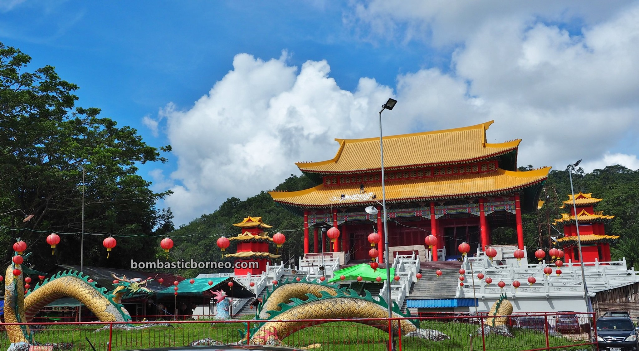 chinese temple, budaya, backpackers, destination, ethnic, TiongHoa, West Kalimantan, Tourism, tourist attraction, travel guide, Cross Border, Borneo, 穿越婆罗洲游踪, 印尼西加里曼丹, 山口洋旅游景点