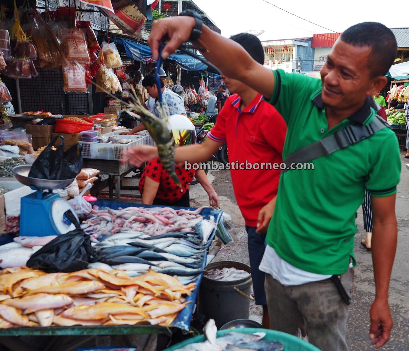 Pasar Turi, Local Market, authentic, traditional, backpackers, destination, Indonesia, Kota Amoi, tourist attraction, travel guide, Trans Border, Borneo, 婆罗洲旅游景点, 印尼西加里曼丹, 山口洋早市