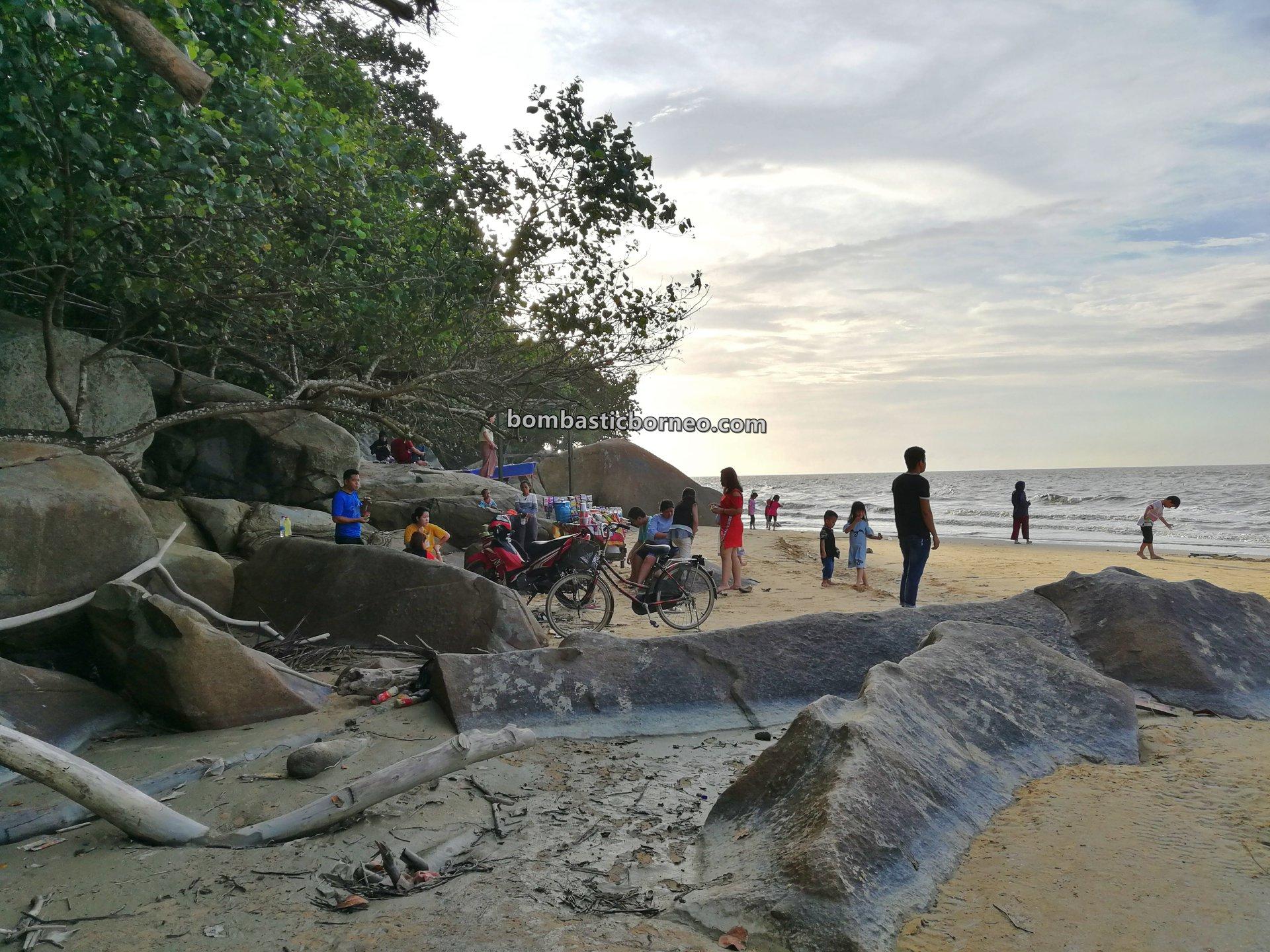 beach, adventure, nature, Malay fishing village, Kampung Melayu, Indonesia,, Tourism, tourist attraction, travel guide, backpackers, destination, Borneo, 跨境婆罗洲游踪, 印尼西加里曼丹, 三发马来渔村