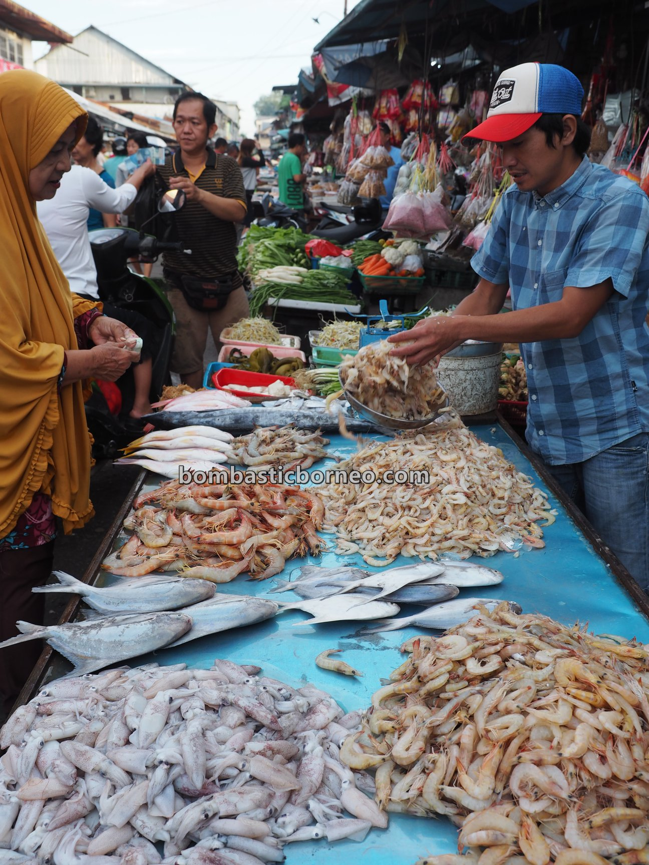 Morning Market, traditional, destination, Indonesia, seafood, salted fish, ikan, Tourism, tourist attraction, travel guide, Cross Border, Borneo, 跨境婆罗洲游踪, 印尼西加里曼丹, 山口洋海鲜早市
