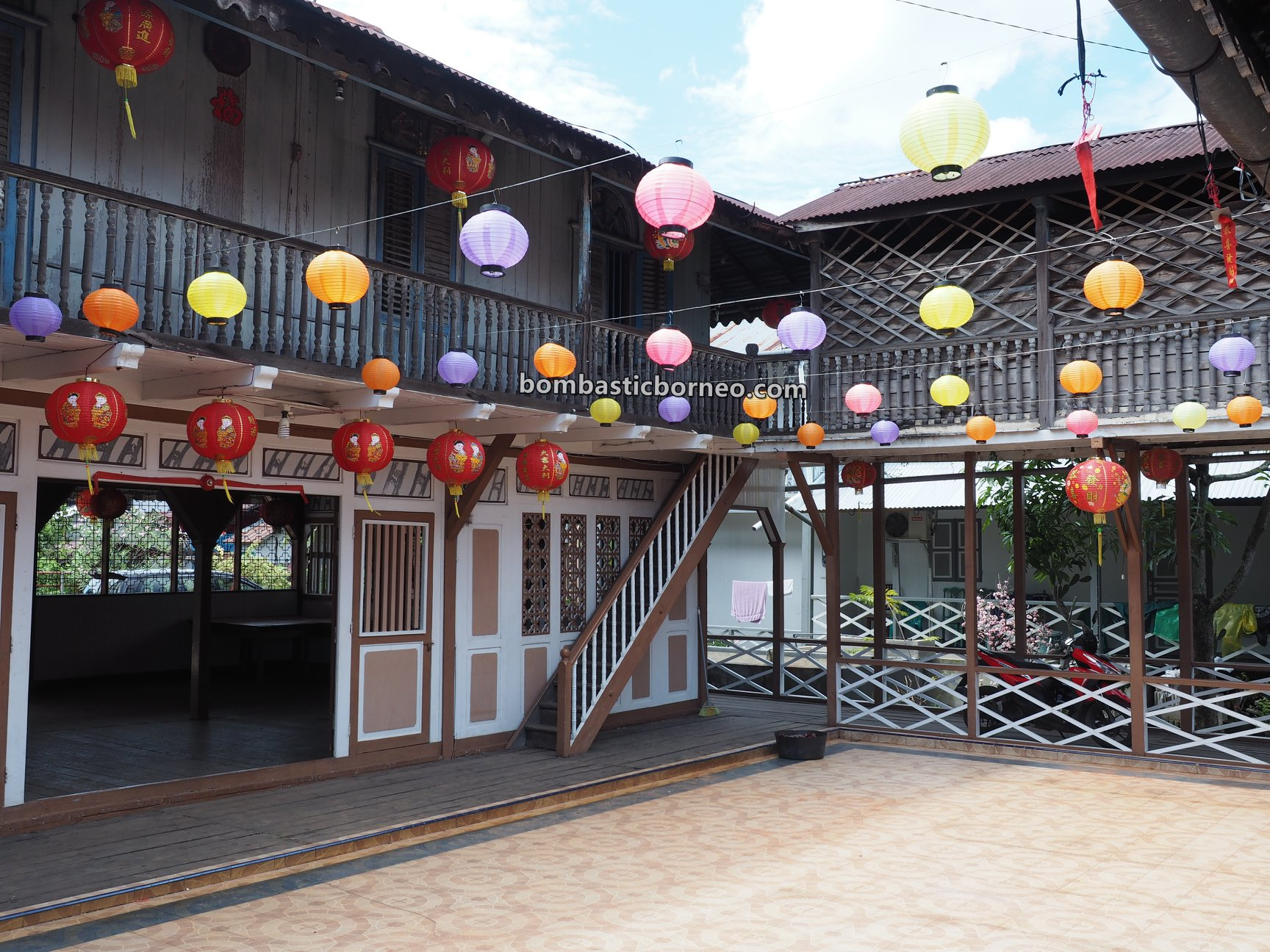 Bangunan Cagar Budaya, authentic, traditional house, chinese, warisan, heritage, backpackers, destination, Tourism, tourist attraction, Travel Guide, Trans Borneo, 西加里曼丹, 山口洋旅游景点, 謝協勝华侨遗产
