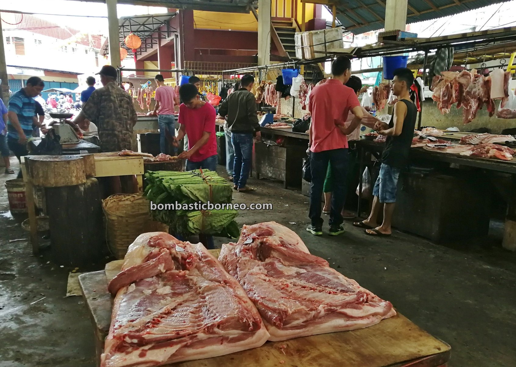 Local Market, authentic, traditional, Kota Amoi, seafood, meat, Tourism, tourist attraction, travel guide, Cross Border, Borneo, 跨境婆罗洲游踪, 印尼西加里曼丹, 山口洋早市
