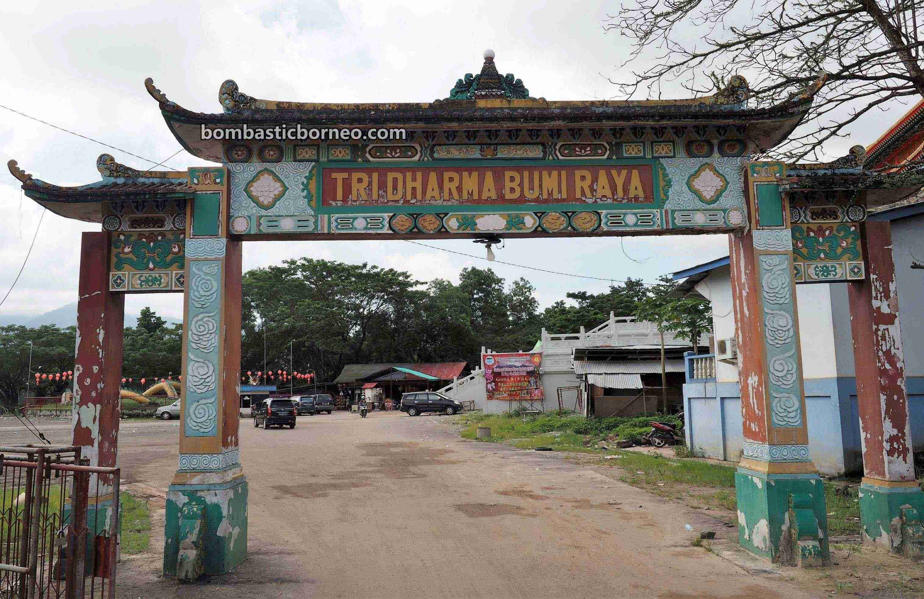 budaya, culture, Chinese temple, backpackers, destination, TiongHoa, Indonesia, Obyek wisata, Tourism, tourist attraction, travel guide, Trans Borneo,
