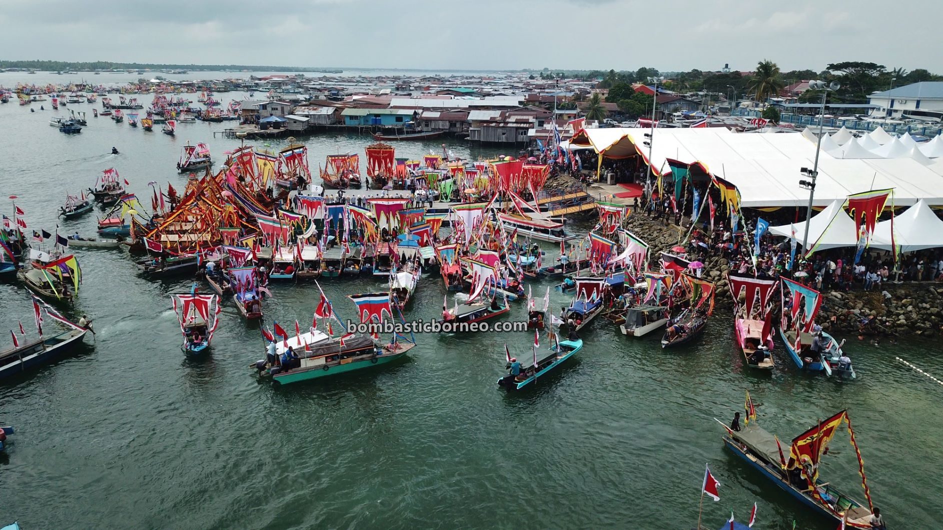 Water Festival, parade, Sailing Boat, destination, Sea Gypsies, Suku Bajau Laut, culture, Malaysia, Tourism, travel guide, Trans Border, Borneo, 跨境婆罗洲游踪, 马来西亚彩船节, 沙巴仙本那旅游