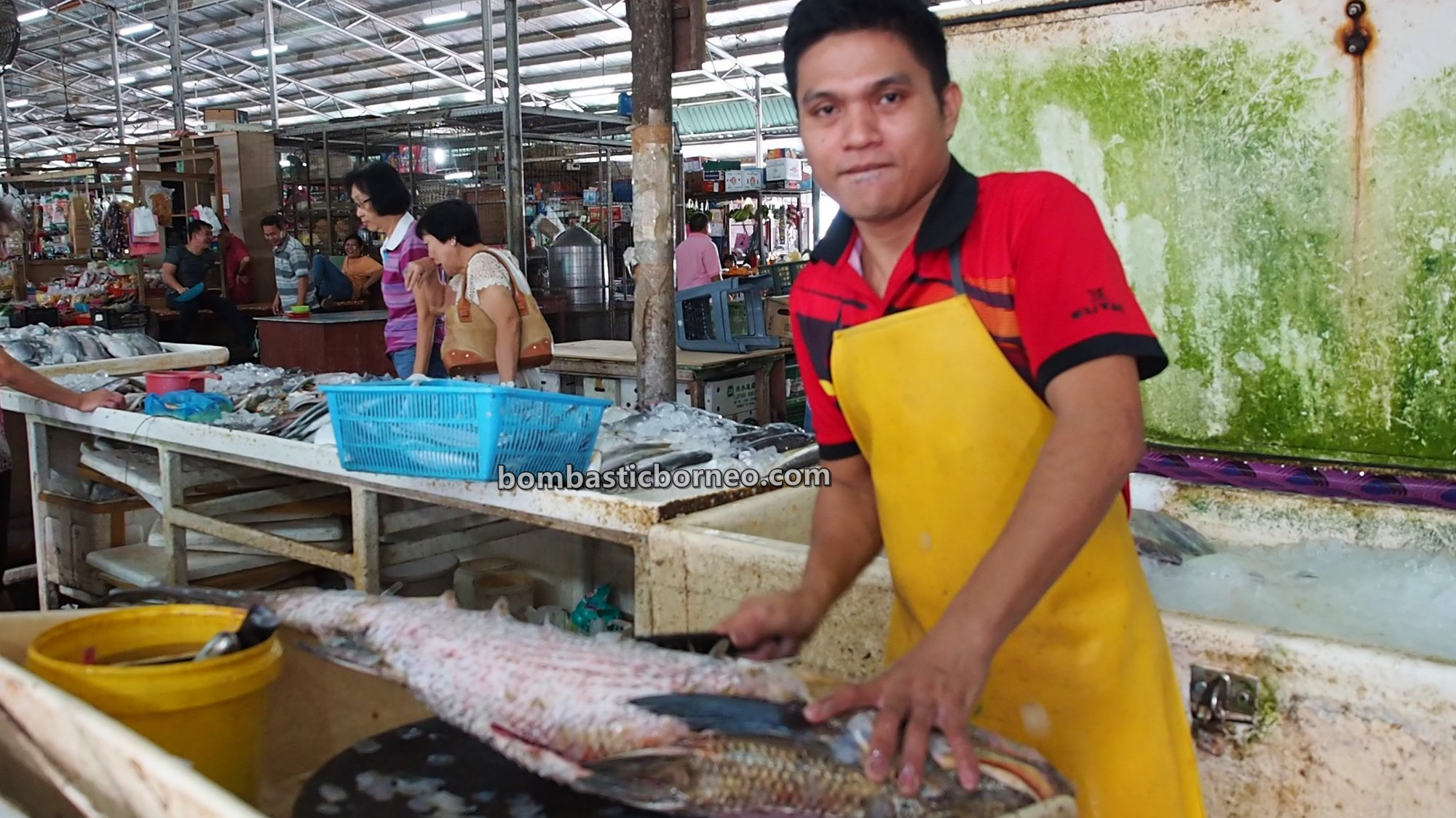 local market, traditional, backpackers, destination, exploration, seafood, makanan laut, Borneo, Malaysia, Tourism, tourist attraction, travel guide, 探索婆罗洲游踪, 马来西亚沙巴, 斗湖新安海鲜市场,