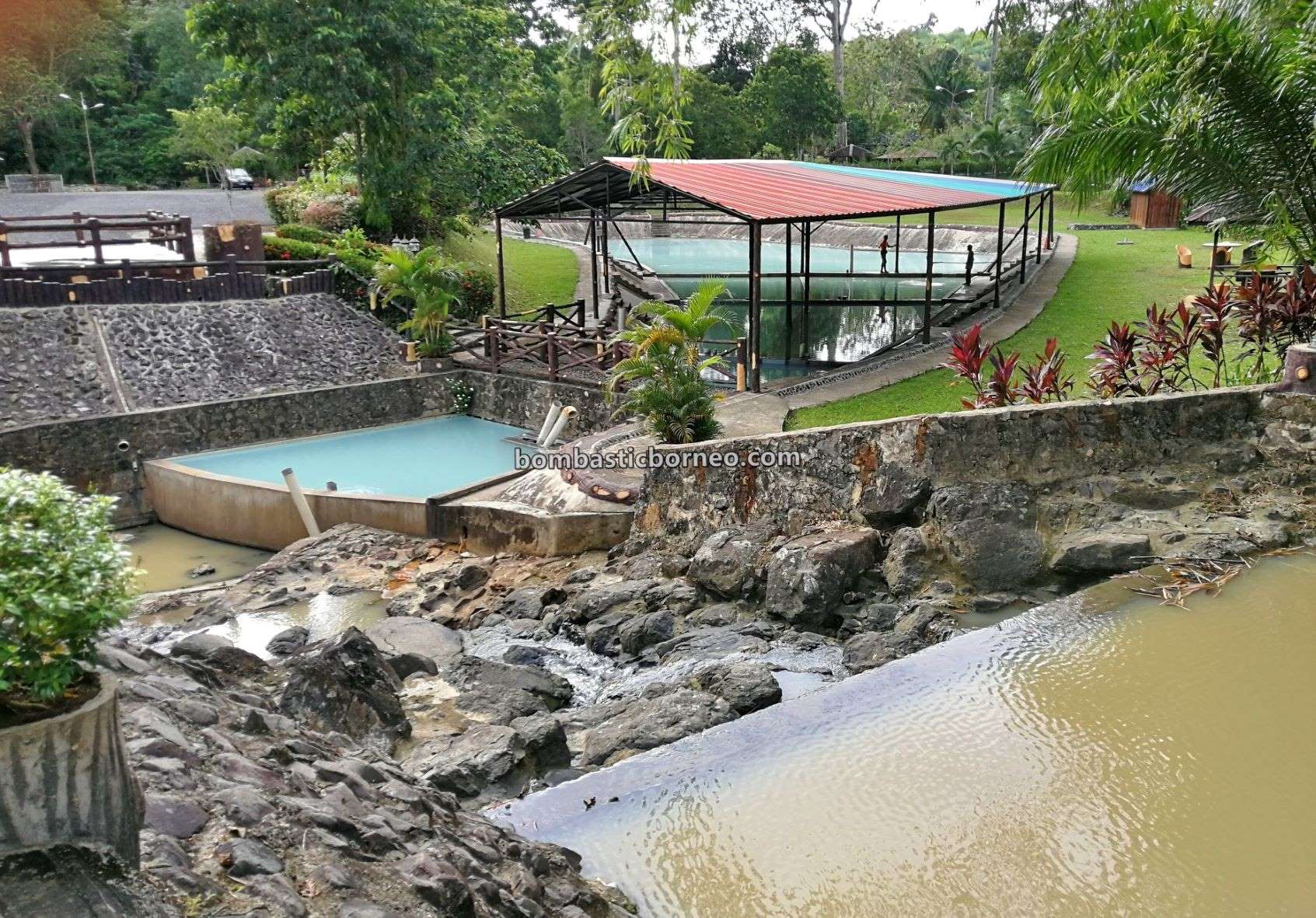 hot spring, nature, outdoor, recreational, water park, exploration, family holiday, Malaysia, Tourist attraction, Travel guide, Borneo, 婆罗洲游踪, 马来西亚沙巴, 斗湖温泉旅游景点