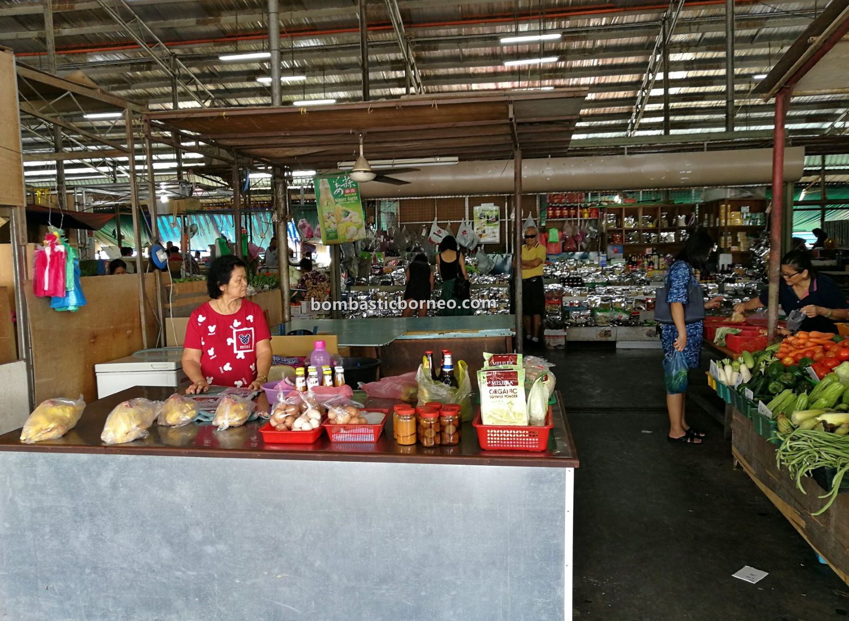 local market, backpackers, destination, exploration, fish, food court, sayuran, vegetables, Borneo, Malaysia, Sabah, travel guide, 穿越婆罗洲沙巴, 新安综合巴刹, 斗湖早市,