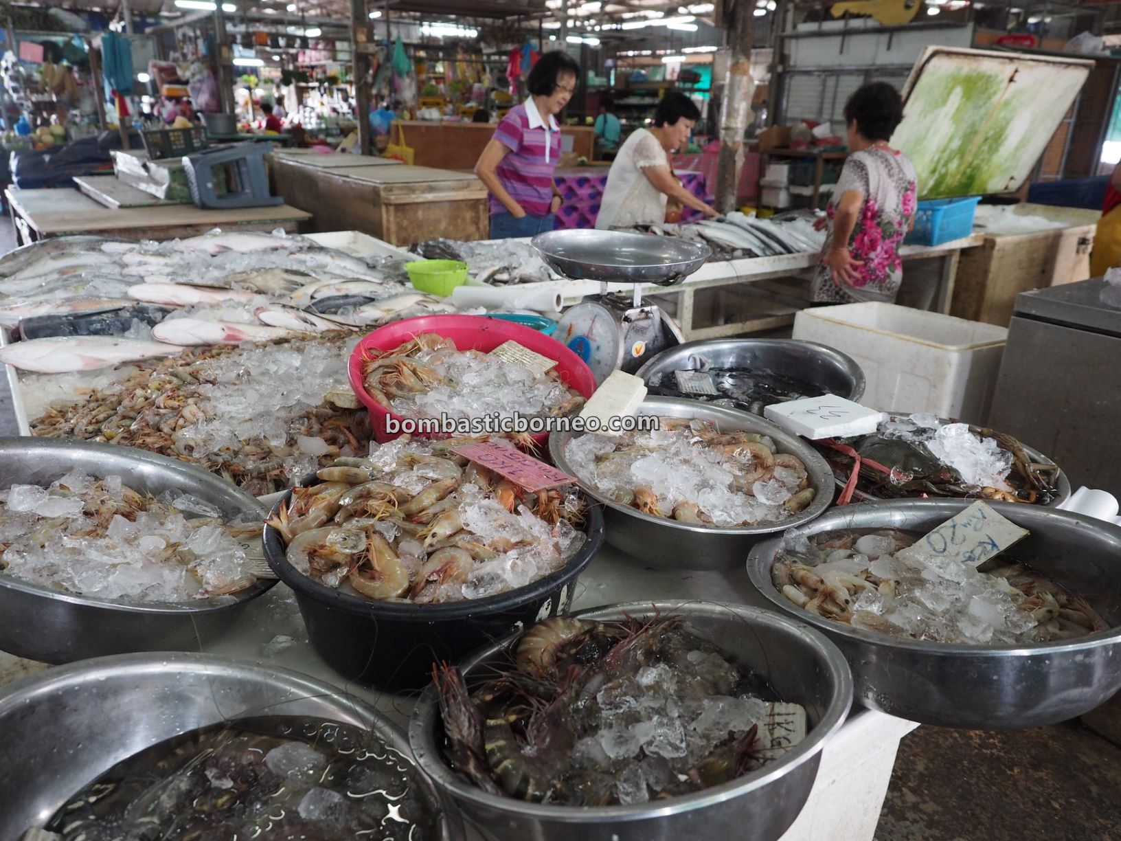 Pasar Sin On, local market, backpackers, destination, exploration, fish, lobster, makanan laut, Borneo, tourist attraction, travel guide, 婆罗洲游沙巴, 新安综合巴刹, 斗湖海鲜早市场