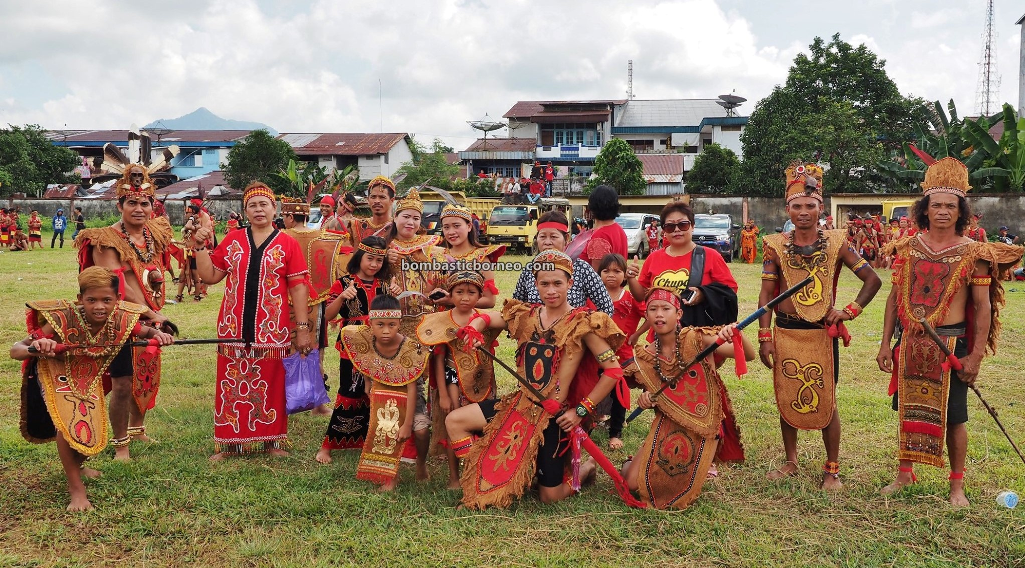 Festival Budaya Dayak, indigenous, traditional, culture, event, Ethnic, native, Indonesia, West Kalimantan, backpackers, Tourism, tourist attraction, travel guide, Cross Border, Borneo