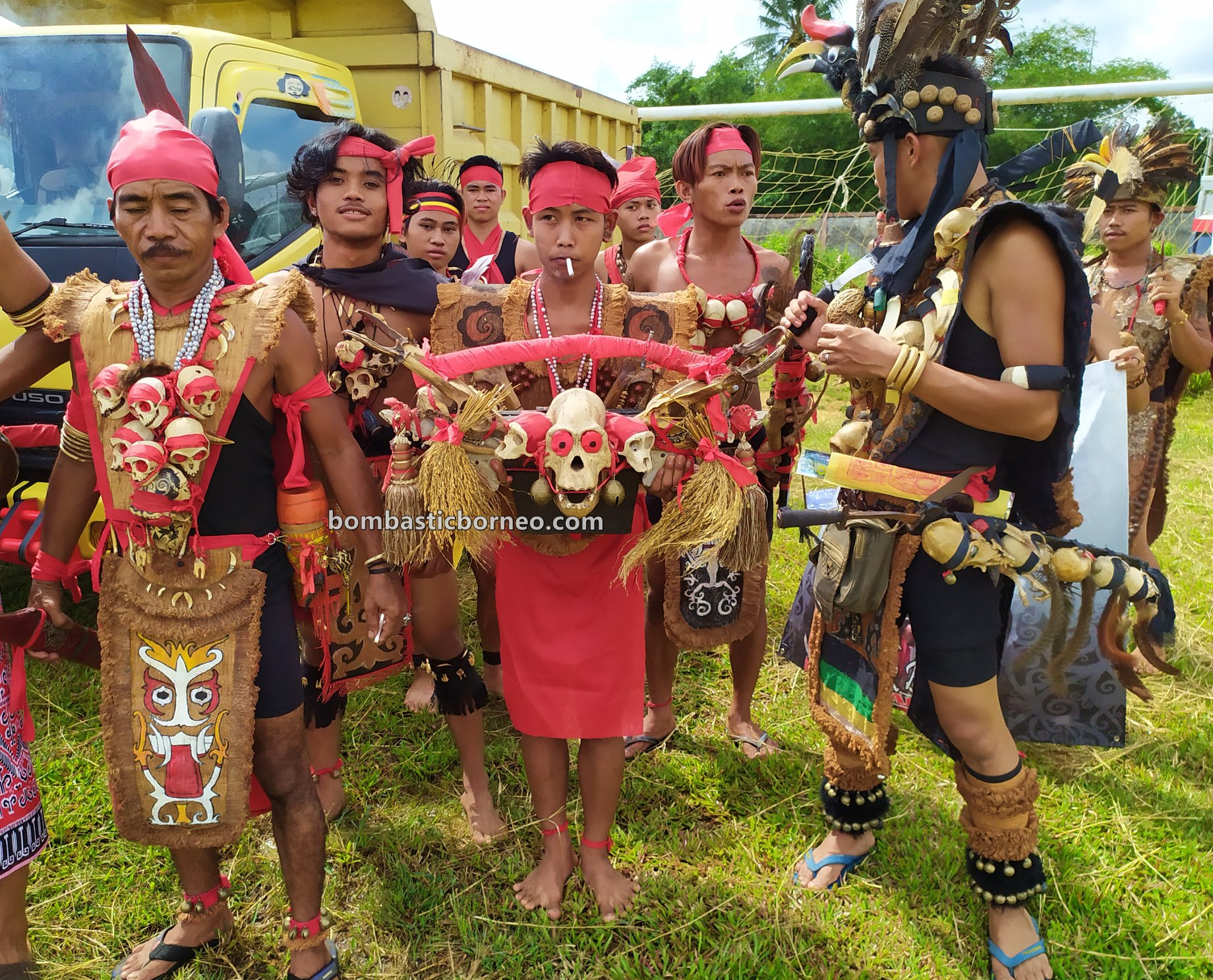 Festival Budaya Dayak, authentic, traditional, culture, event, native, tribal, Indonesia, Kalimantan Barat, Tangkitn raksasa, backpackers, Obyek wisata, Tourism, travel guide, Borneo,