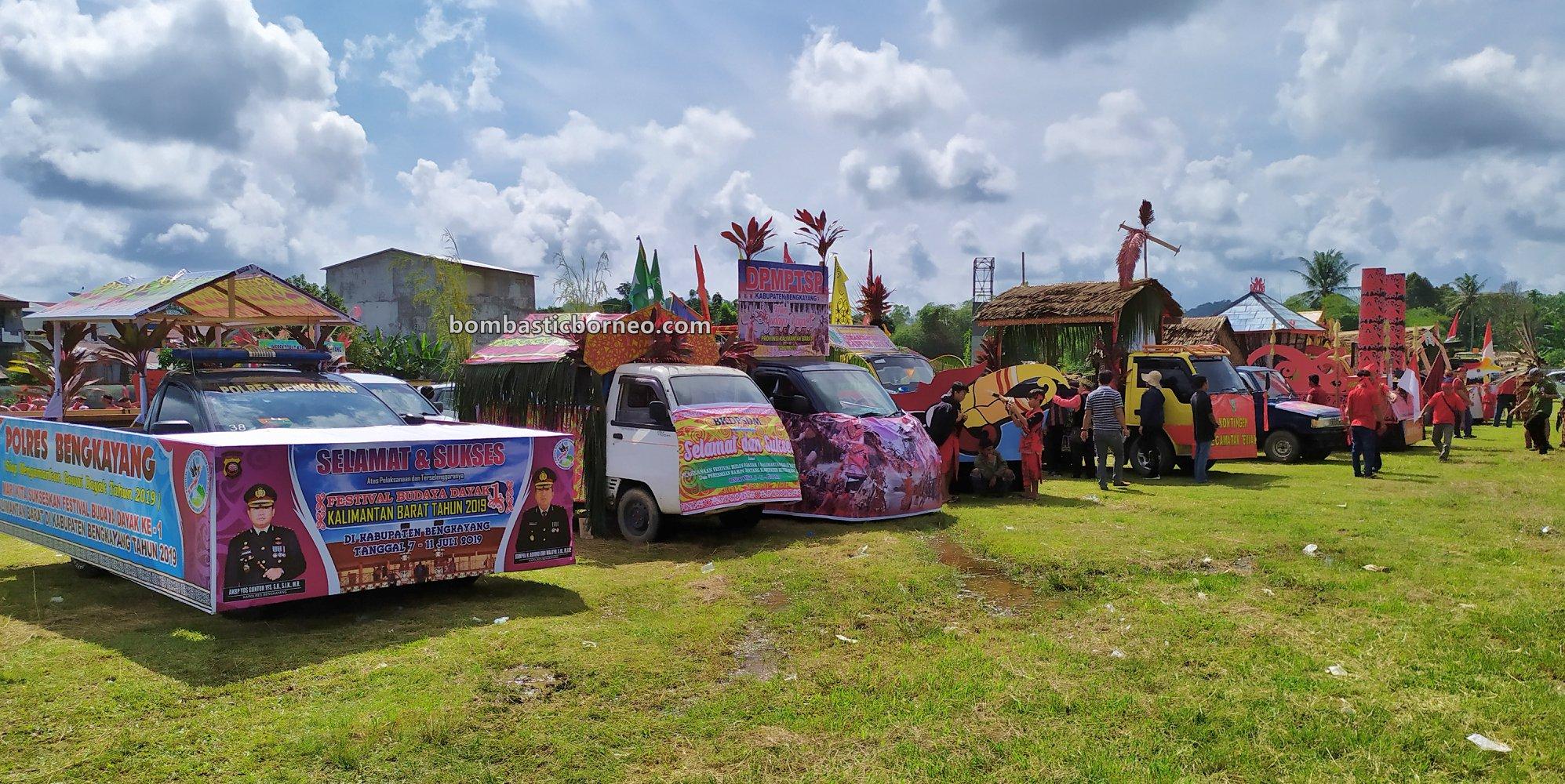 culture, event, native, tribe, Kalimantan Barat, Tangkitn raksasa, backpackers, destination, Tourism, travel guide, Trans Border, Borneo, 跨境婆罗洲游踪, 西加里曼丹孟加映, 印尼原住民文化,