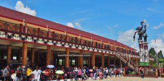 Festival Budaya Dayak, authentic, culture, native, tribal, rumah adat, Rumah Betang, longhouse, destination, Obyek wisata, Tourism, Borneo, 跨境婆罗洲印尼, 西加里曼丹达雅, 孟加映原住民长屋,
