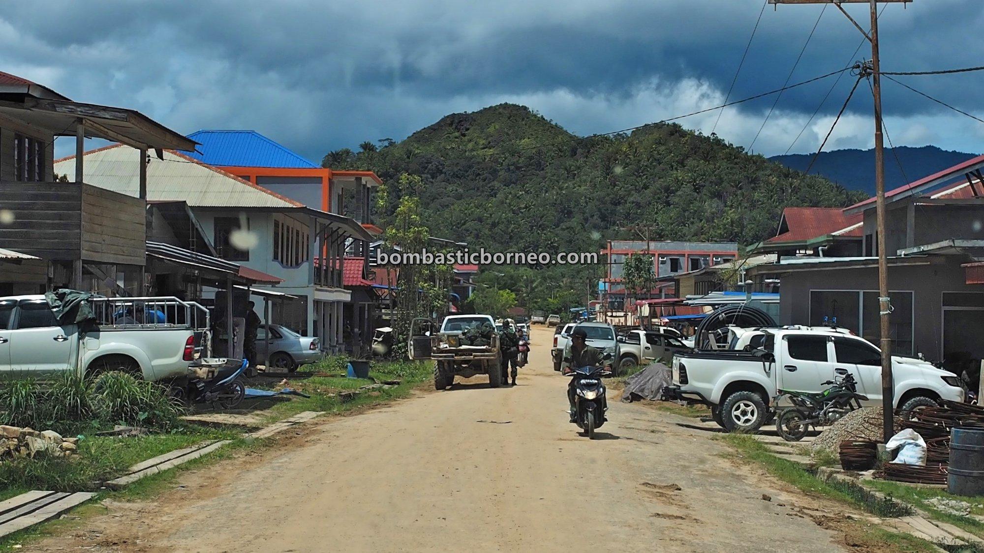 Border town, adventure, traditional, exploration, Interior Village, Highlands, native, Suku Dayak Lundayeh, Obyek wisata, Tourism, travel guide, Cross Border, Borneo, 穿越婆罗洲印尼, 北加里曼丹高原