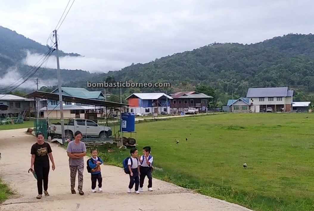 authentic, indigenous, destination, village, Maligan Highlands, Malaysia, orang asal, native, Dayak, Travel Guide, Cross Border, Borneo, 婆罗洲内陆高原, 砂拉越旅游景点, 巴卡拉兰弄巴湾村