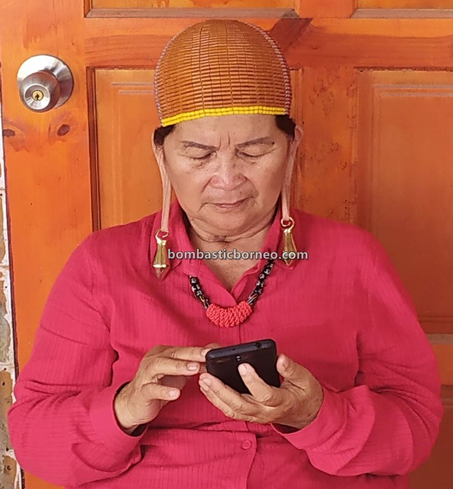 Pesta Nukenen, Bario Food Culture Festival, beads, authentic, indigenous, traditional, backpackers, native, orang ulu, Kelabit people, travel guide, Trans Borneo, 马来西亚旅游景点, 砂拉越巴里奥原住民, 加拉毕族长耳垂文化,