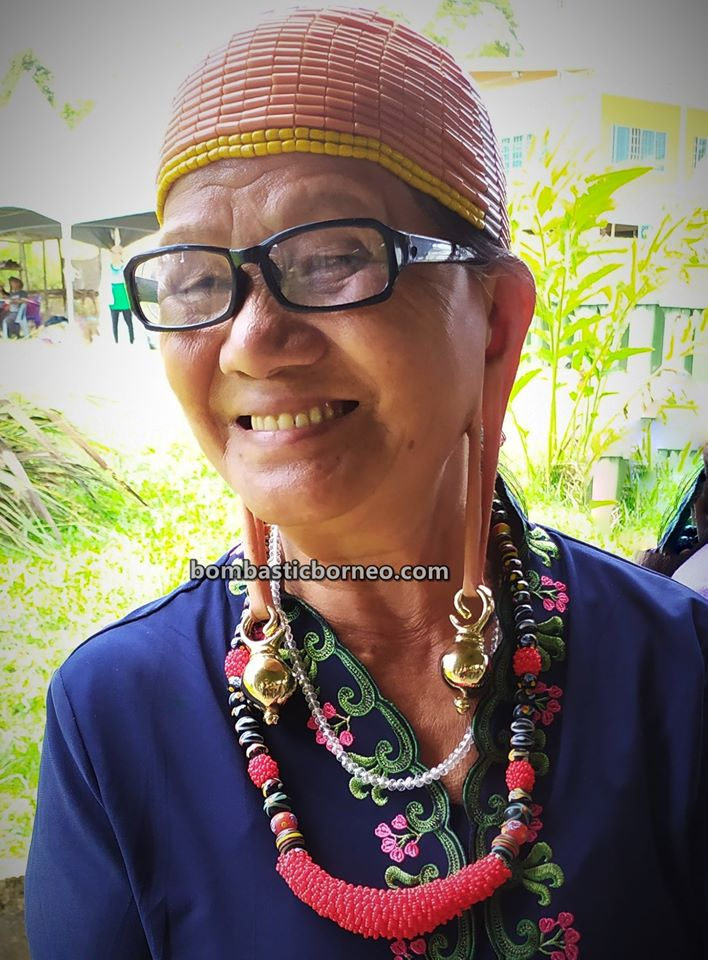 beads, authentic, indigenous, traditional, Ethnic, Dayak, orang asal, tribal, Highlands, Malaysia, tourist attraction, Borneo, 婆罗洲达雅传统文化, 砂拉越巴里奥原住民, 加拉毕高原长耳垂,