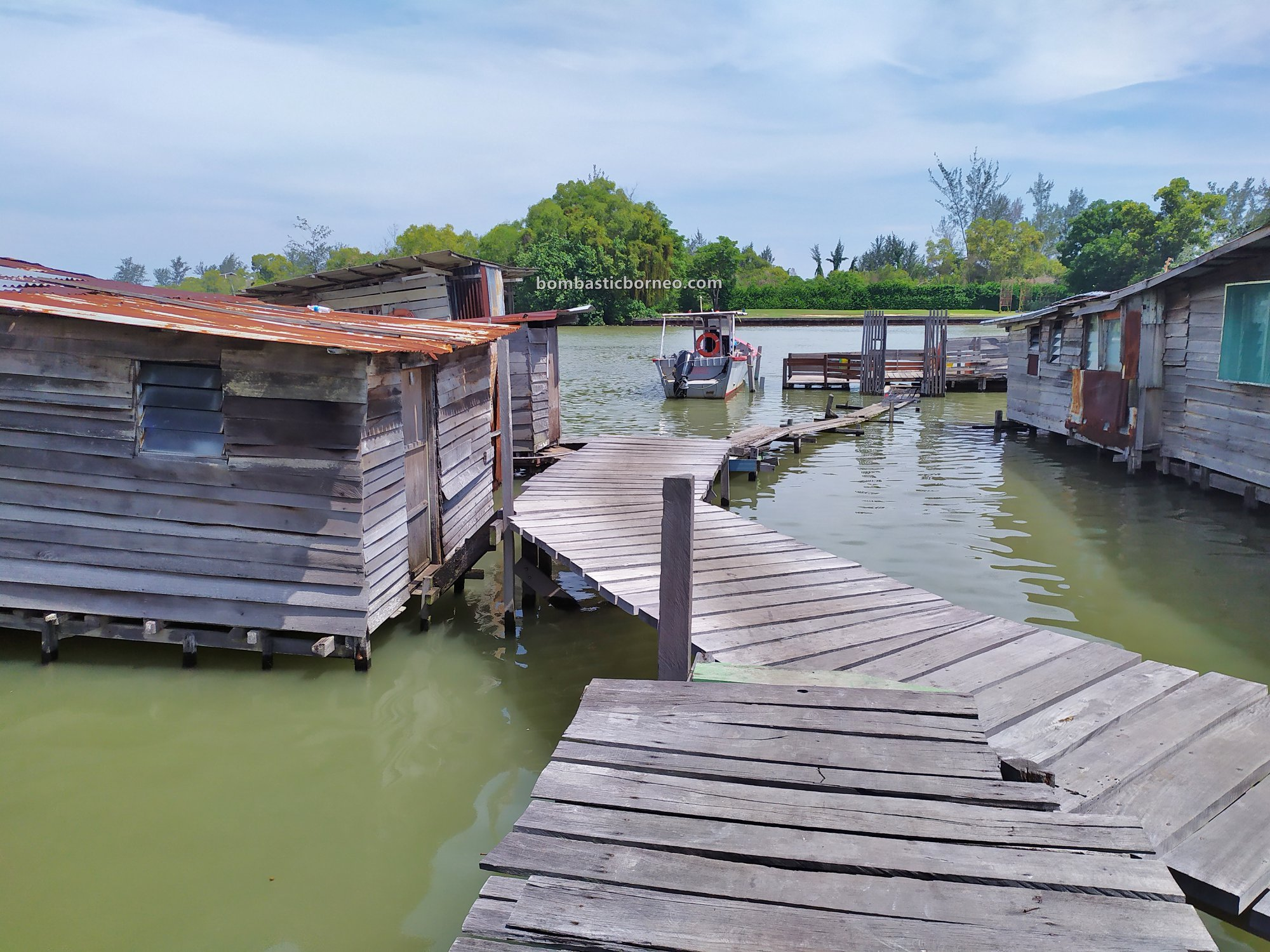 Sarawak, backpackers, destination, Discover Miri City, exploration, floating house, rumah terapung. Miri waterfront, Malaysia, Seahorse, Tourism, tourist attraction, travel guide, Borneo