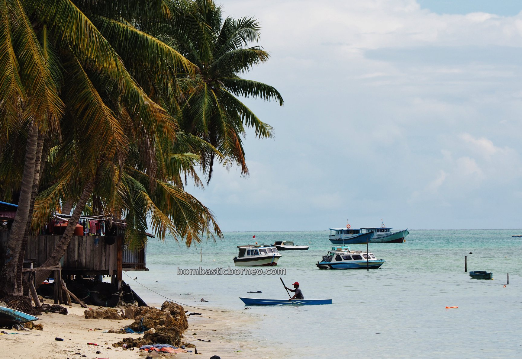 Kepulauan Derawan, Pasir Putih, white sandy beaches, Maratua Island, Kampung Payung-Payung, Destination, exploration, nature, vacation, Berau, Kalimantan Timur, Pesona Indonesia, Tourism, travel guide, Trans Borneo,