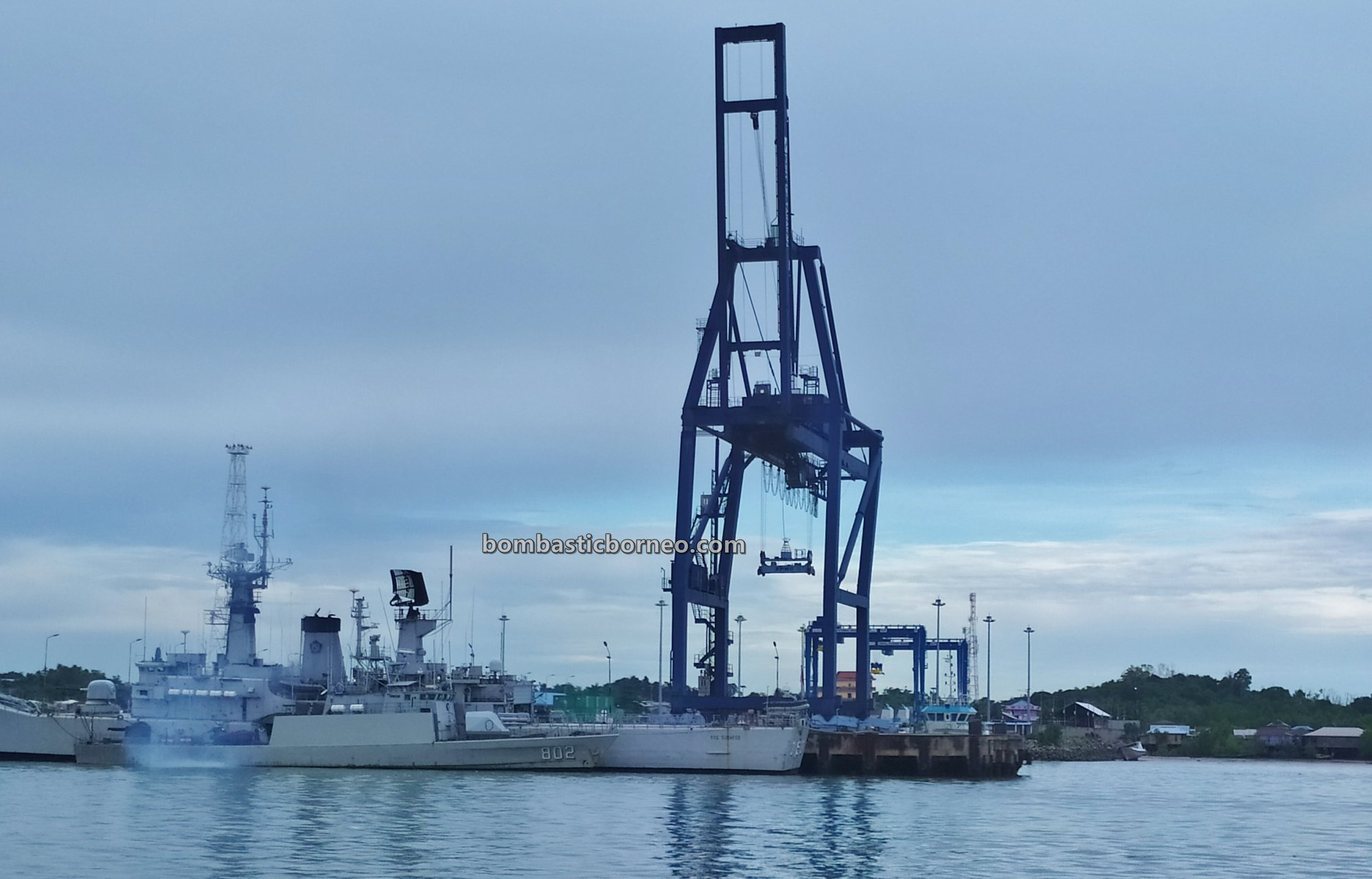 Ferry terminal, Express Boat Ride, backpackers, exploration, Indonesia, North Kalimantan, Kapal Besar, Kota Tarakan, MV Tawindo, Pelabuhan Malundung, port, Tourism, travel guide, Trans Border, Borneo,