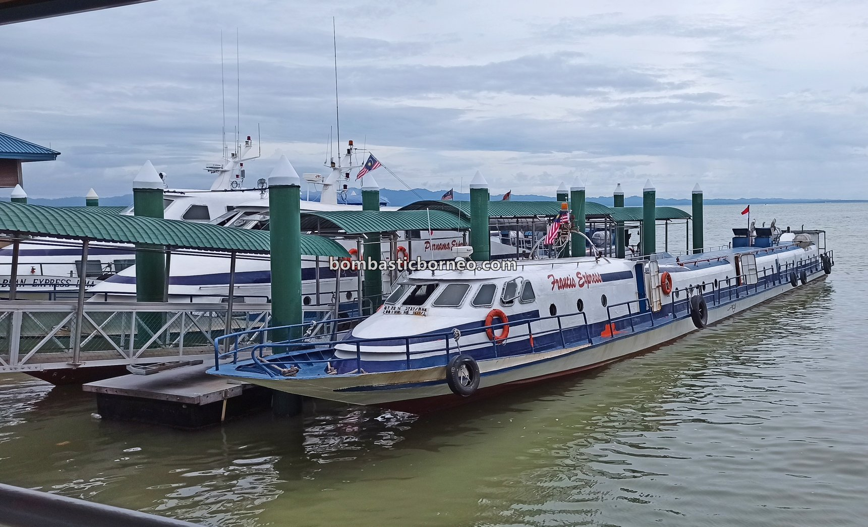 Ferry terminal, Express Boat Ride, speed boat, exploration, International, Kapal Besar, MV Tawindo, port, Sabah, Tawau, Malaysia, Transportation, travel guide, Cross Border, Borneo,