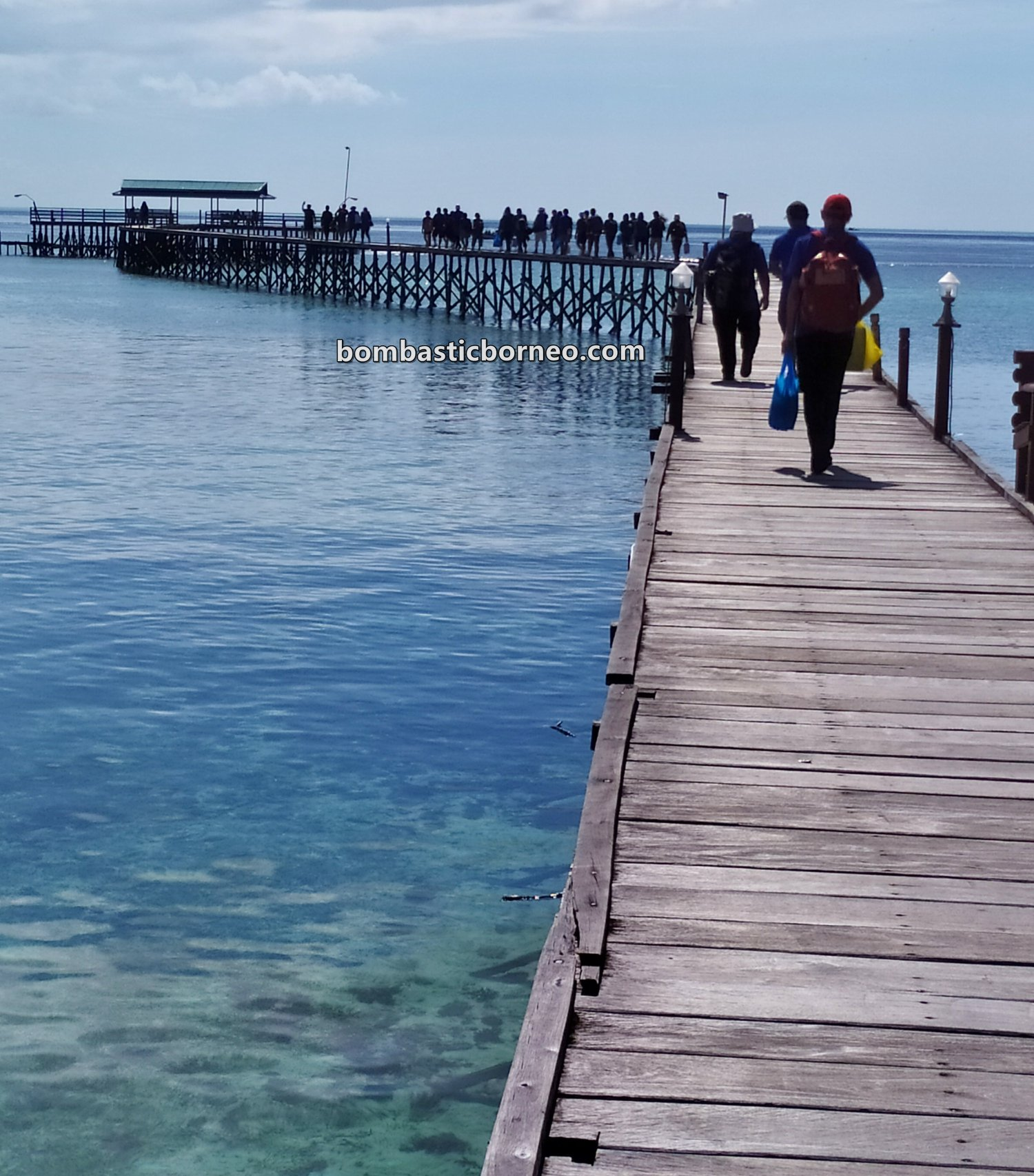 Derawan Archipelago, backpackers, Destination, exploration, nature, hidden paradise, snorkelling, Berau, Pariwisata, Tourist attraction, travel guide, Cross Border, Borneo, 印尼东加里曼丹, 达拉湾岛潜水天堂,