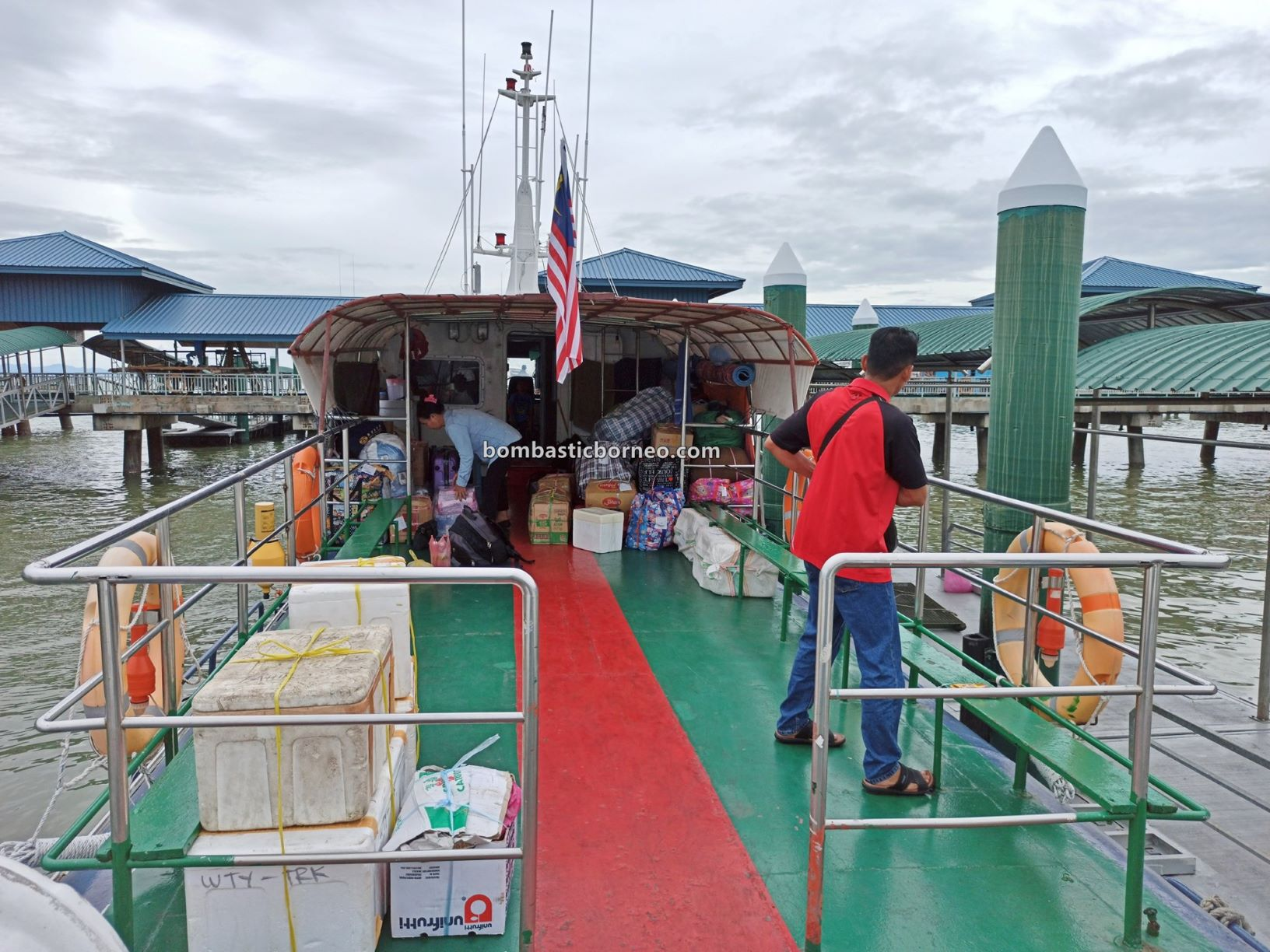 Familiarisation trip, backpackers, Kalimantan Utara, Kapal Besar, MV Tawindo, wharf, Sabah, Malaysia, Tourism, Transportation, travel guide, Trans Border, Borneo, 穿越婆罗洲游踪, 马来西亚沙巴斗湖